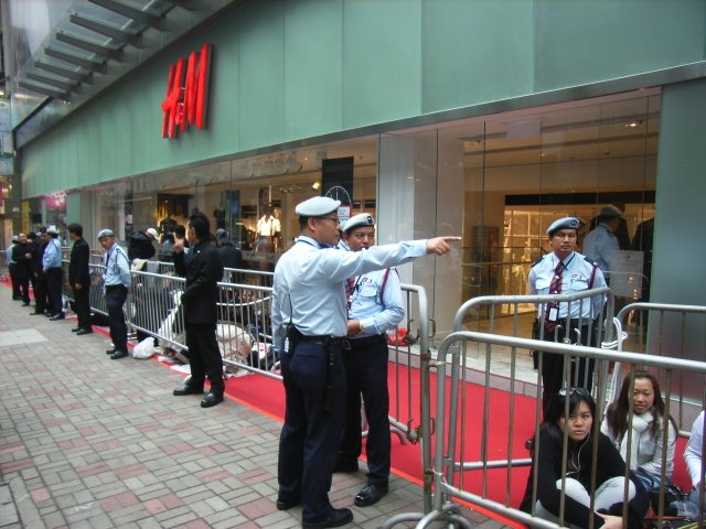 File hk h amp m fashion shop grand open day customers jpg wikimedia