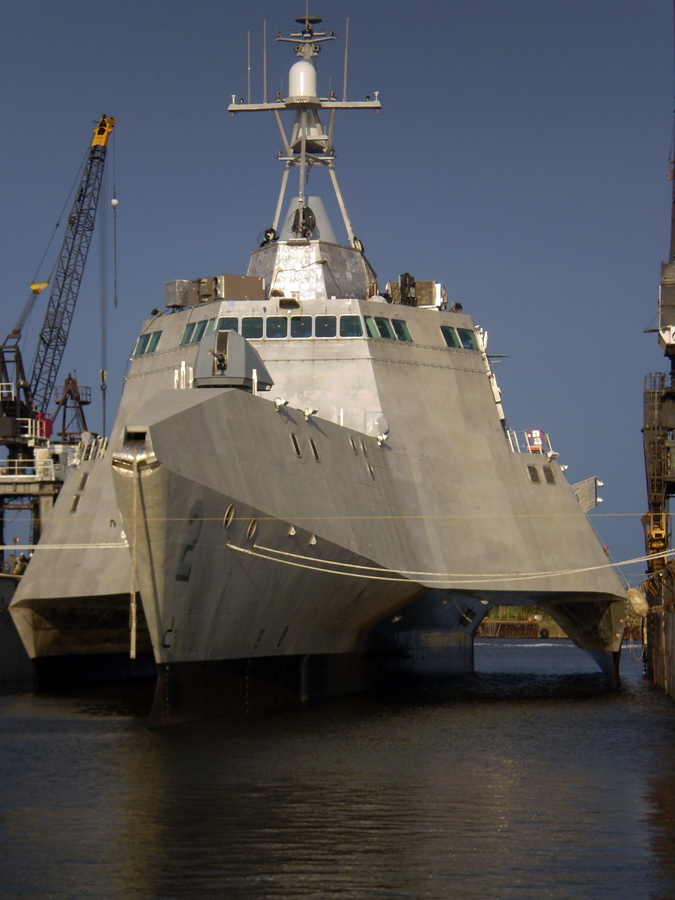armée americaine Independence_%28LCS_2%29_before_being_commissioned