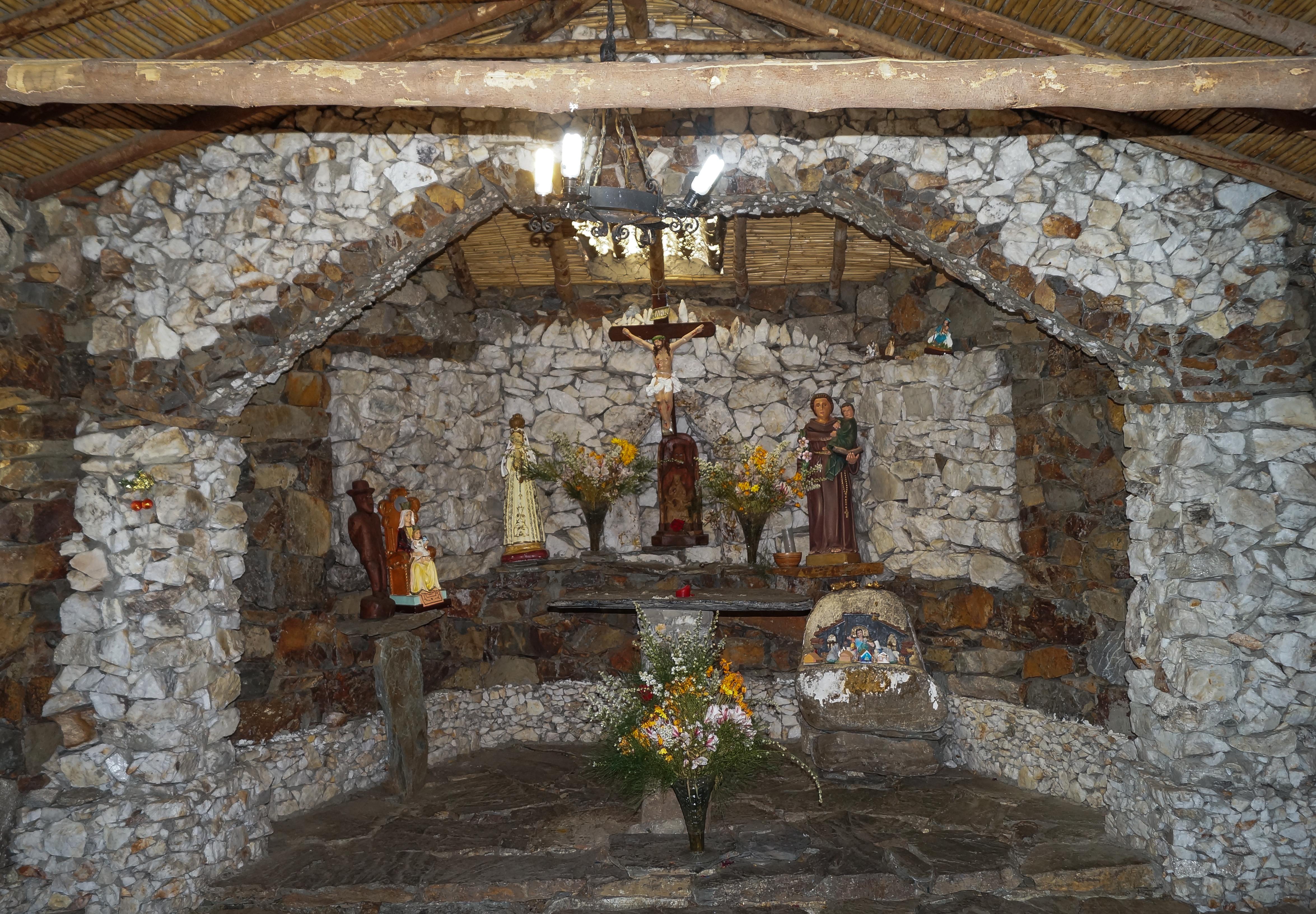 Piedras de interior top pared piedra salon moderno - Piedra decorativa interior ...