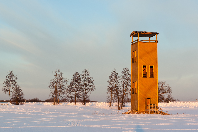 Beobachtungsturm Jõesuu am estnischee See Võrtsjärv - Quelle: WikiCommons