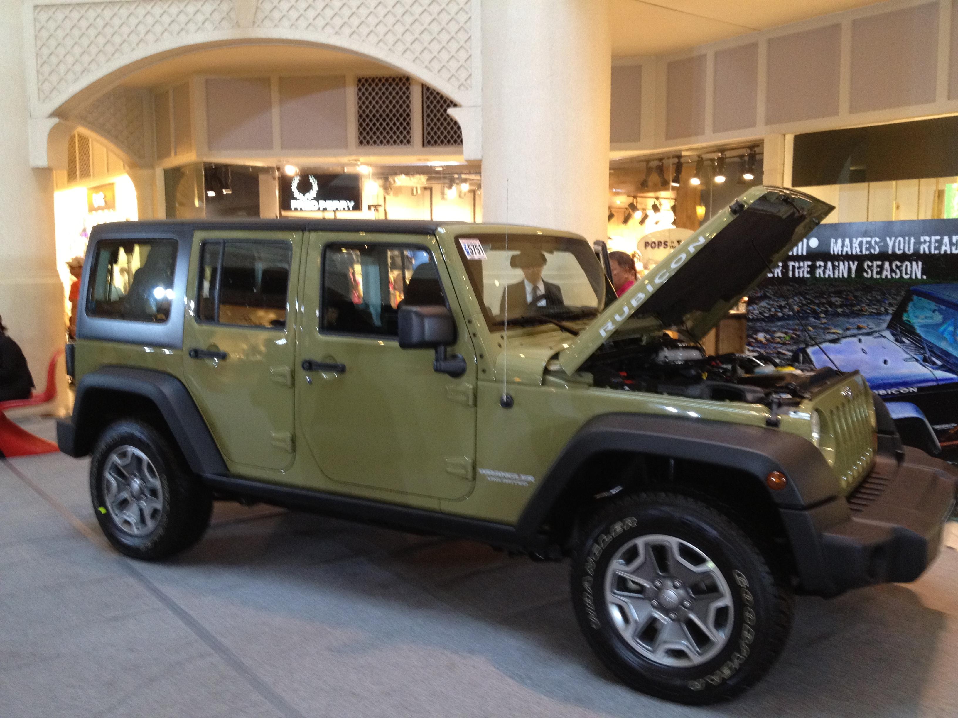 2015 jeep rubicon vs 2015 autos post. Black Bedroom Furniture Sets. Home Design Ideas