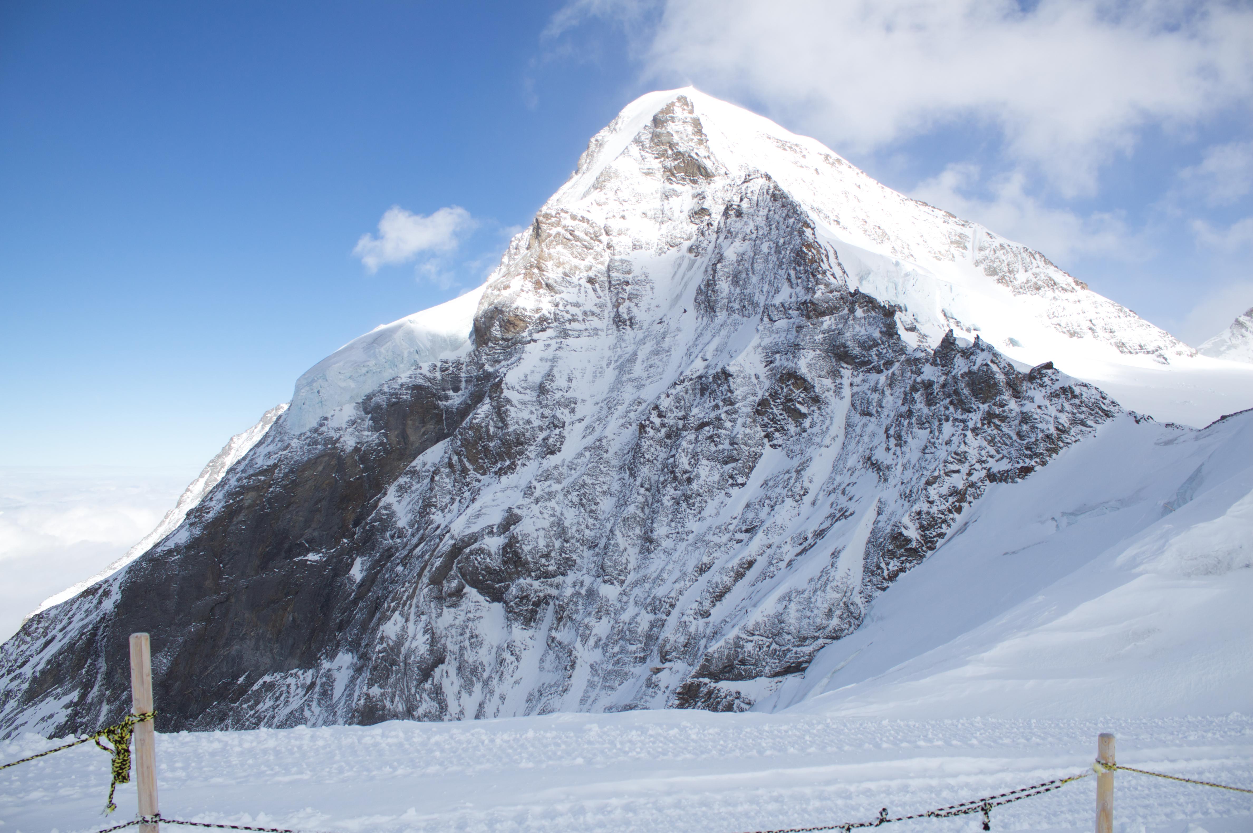 File:Jungfrau, Swiss Alps - 20100218.jpg - Wikimedia Commons