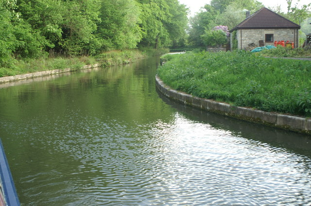 Kennet and Avon Canal above Dundas Aqueduct - geograph.org.uk - 182586