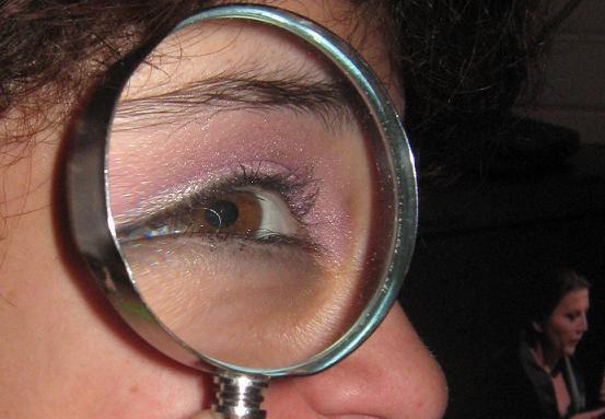 File:Magnifying glass 2911.JPG