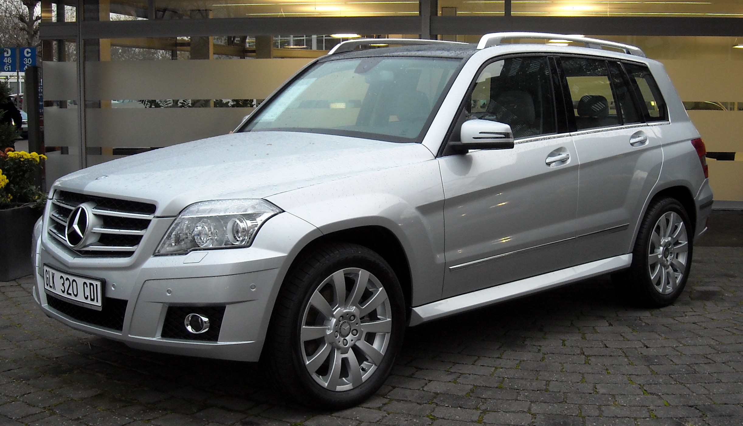 mercedes benz glk luxury crossover suv review