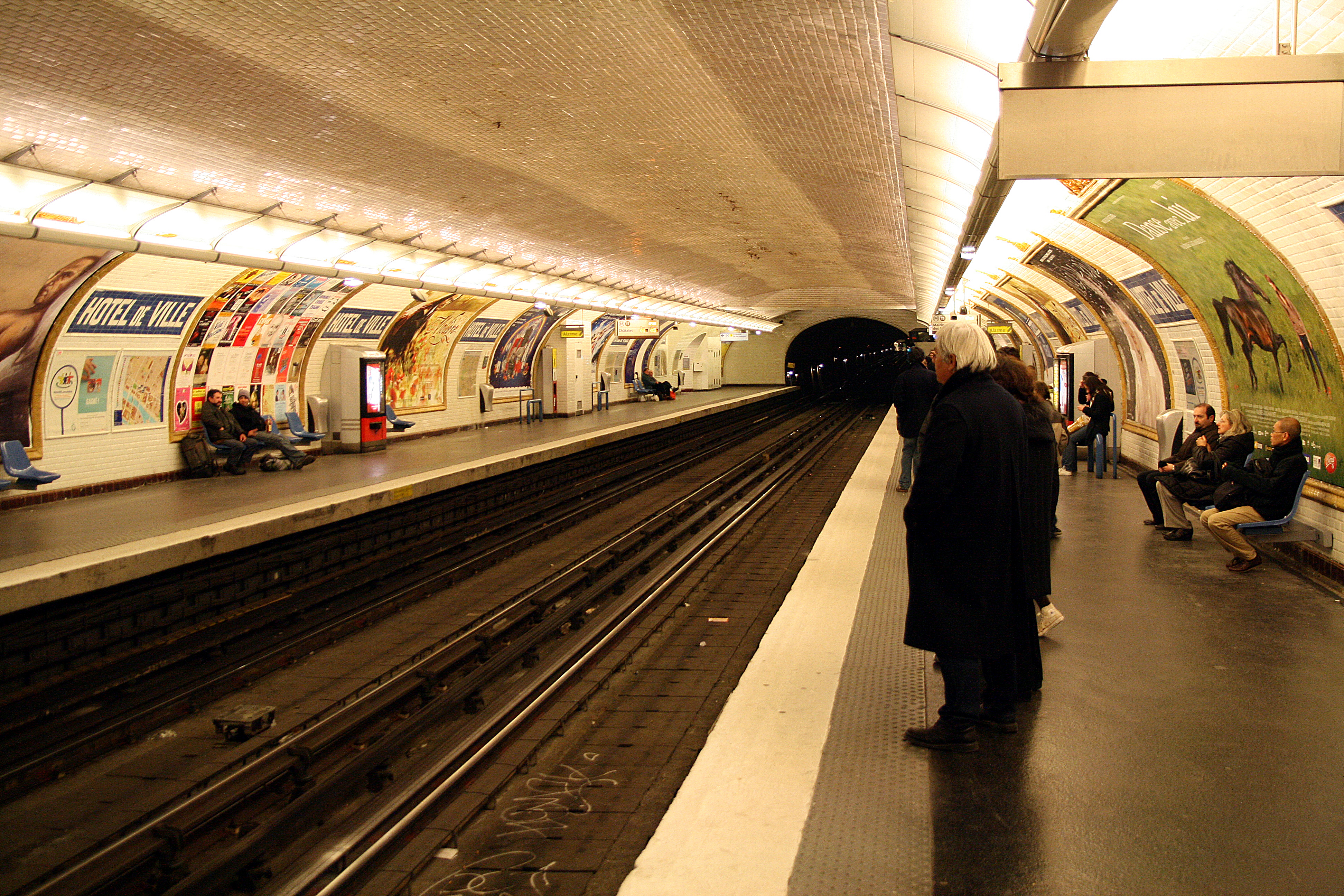 File metro paris ligne 11 hotel de wikimedia for Hotel paris 11