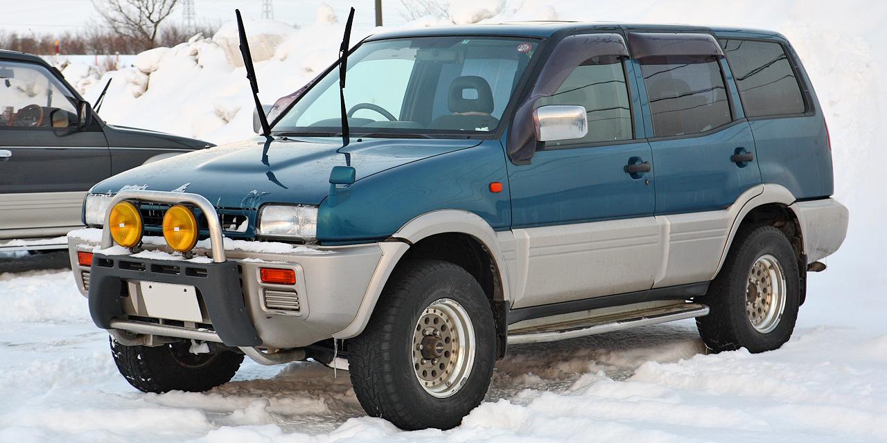 Nissan Suv 2015 >> 日産・ミストラル - Wikipedia