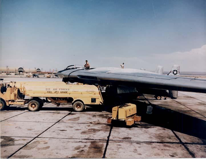 Les géants des airs : Le Northrop YB-49 [Italeri 1/72] Northrop_YB-49_PreFlightS