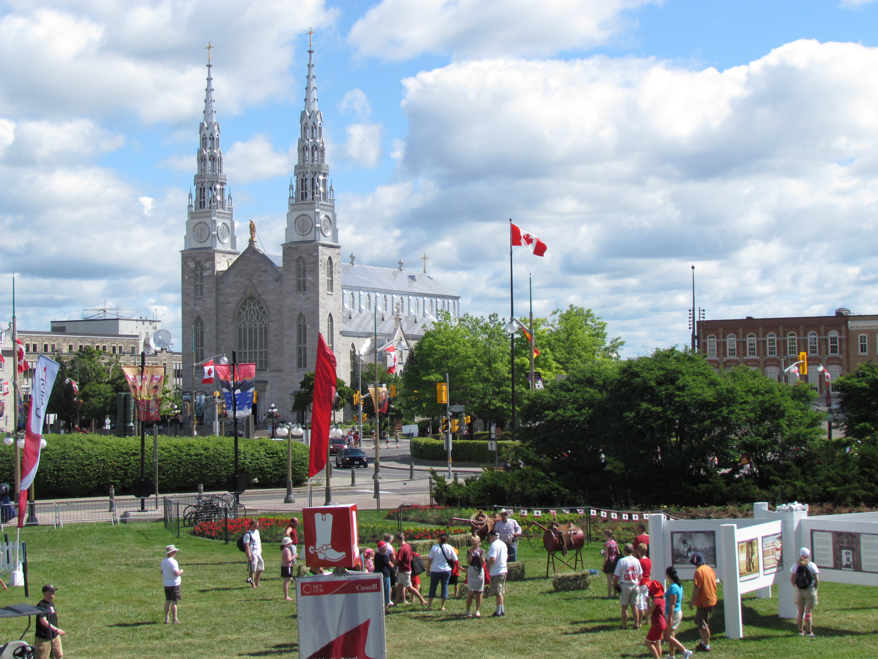 Ottawa (ON) Canada  city photo : ... Cathedral Basilica, Ottawa Canada Day 2012 Wikimedia Commons