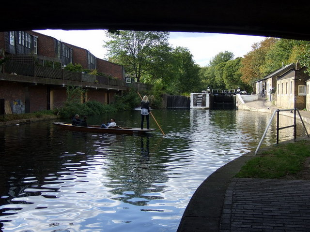 Old Ford lock from Old Ford Bridge, Regent's Canal - geograph.org.uk - 1535047