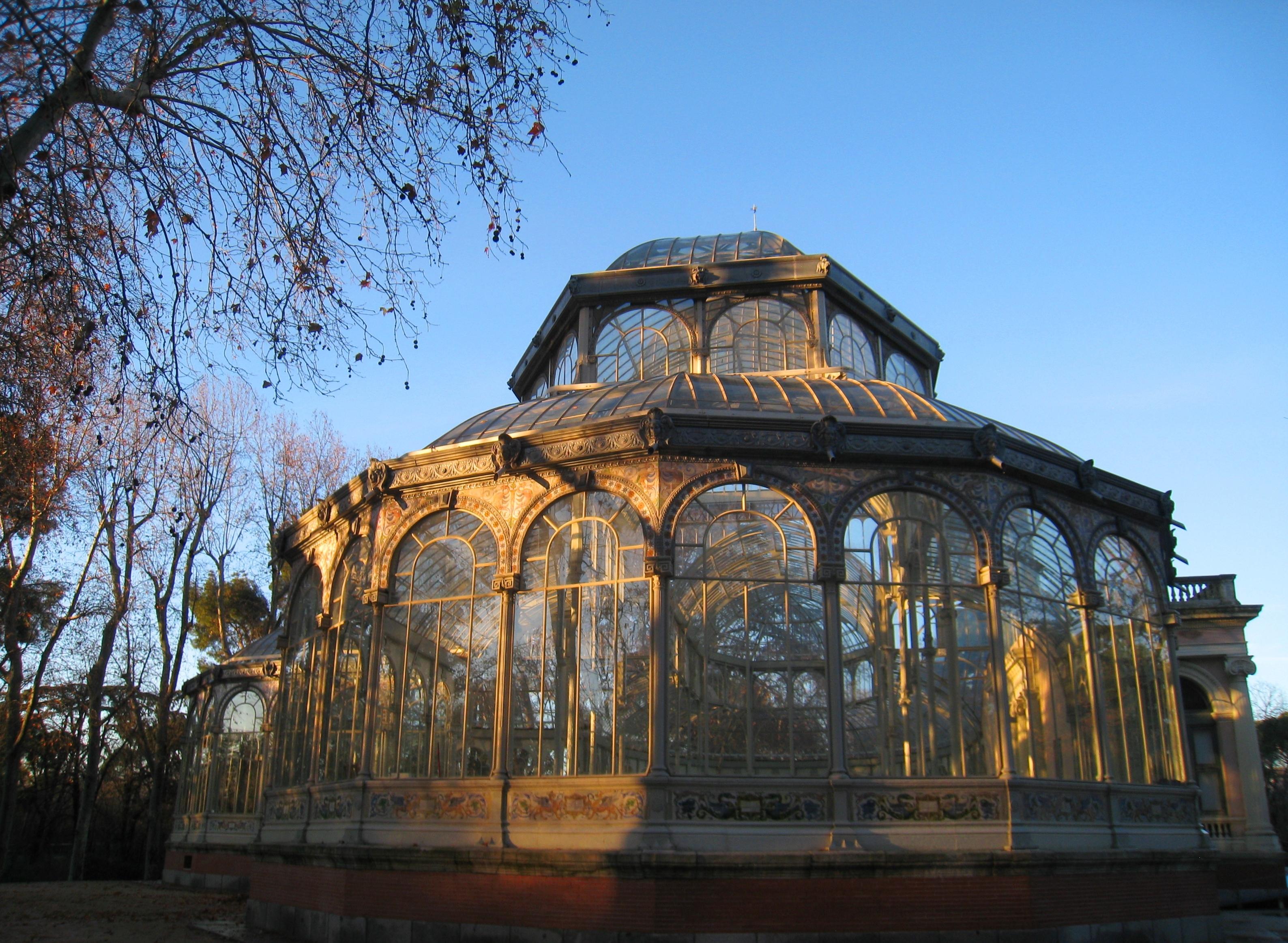 File Palacio De Cristal Parque Del Buen Retiro Madrid Exterior Jpg Wikimedia Commons