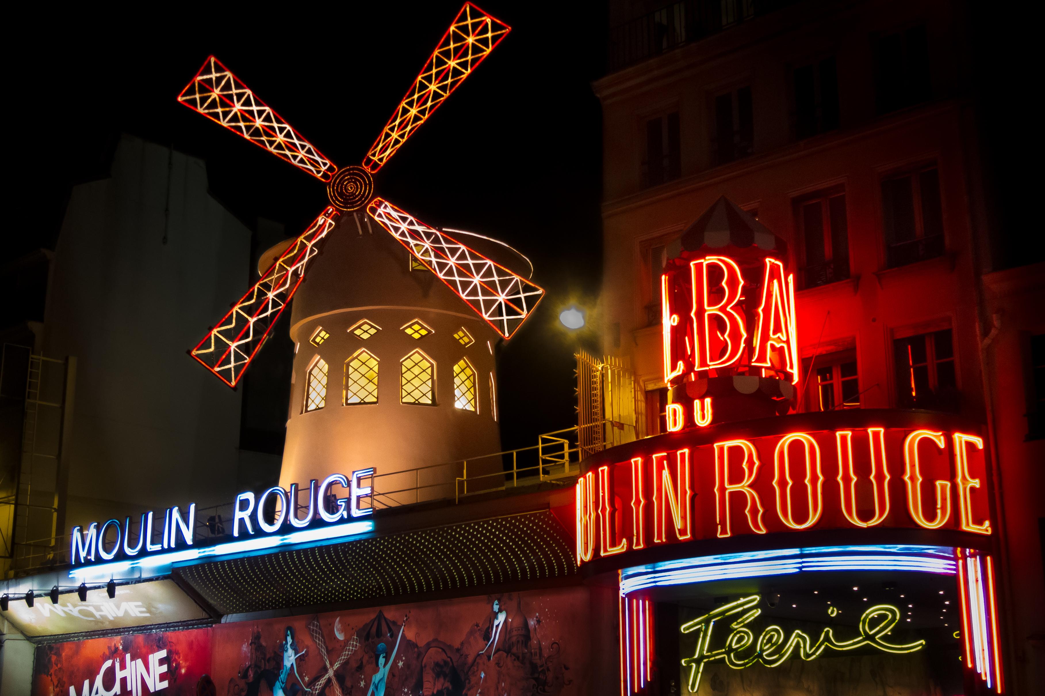Video Moulin  Ef Bf Bd Caf Ef Bf Bd Paris  Reportage Arte
