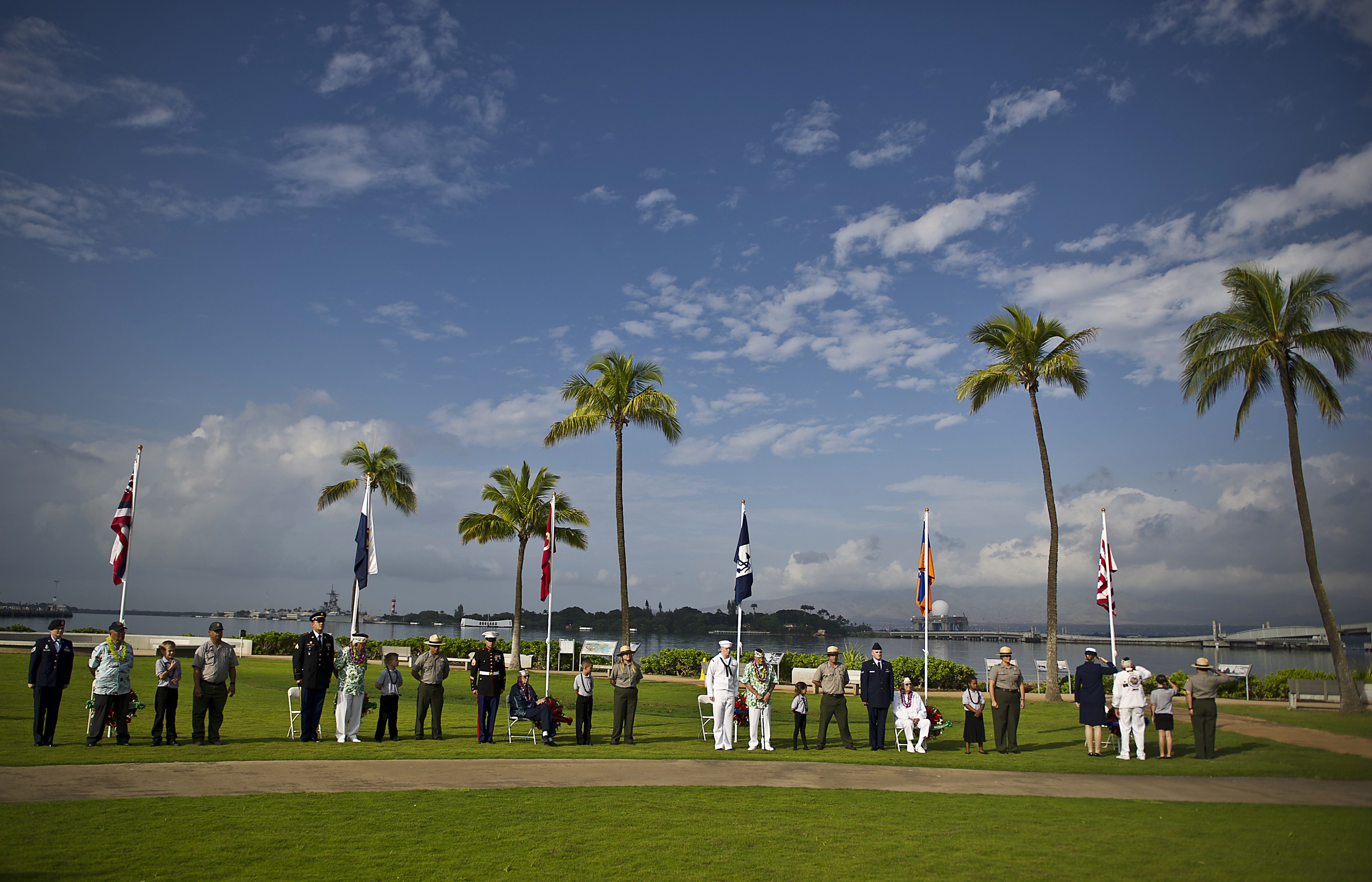 Pearl Harbor >> File:Pearl Harbor survivors, children from a nearby ...