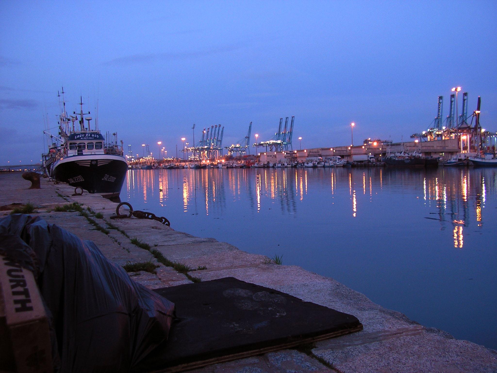 File puerto de algeciras de wikimedia commons - Puerto de algeciras hoy ...