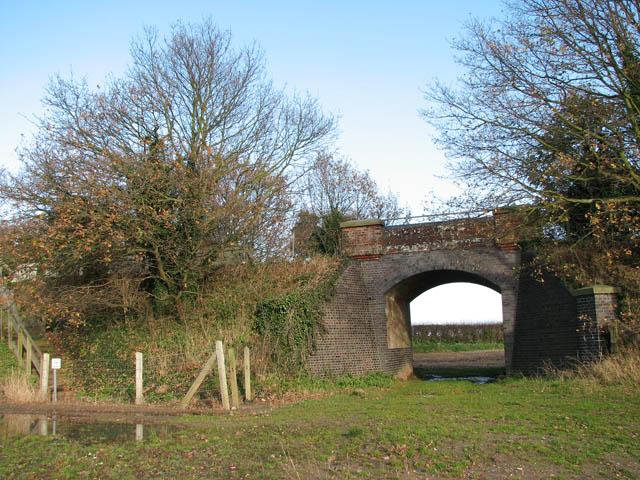 Railway bridge in Belaugh Green - geograph.org.uk - 1059218
