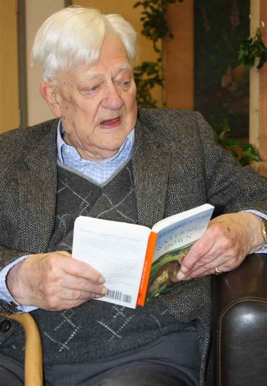 Adams reads from ''[[Watership Down]]'' in 2008