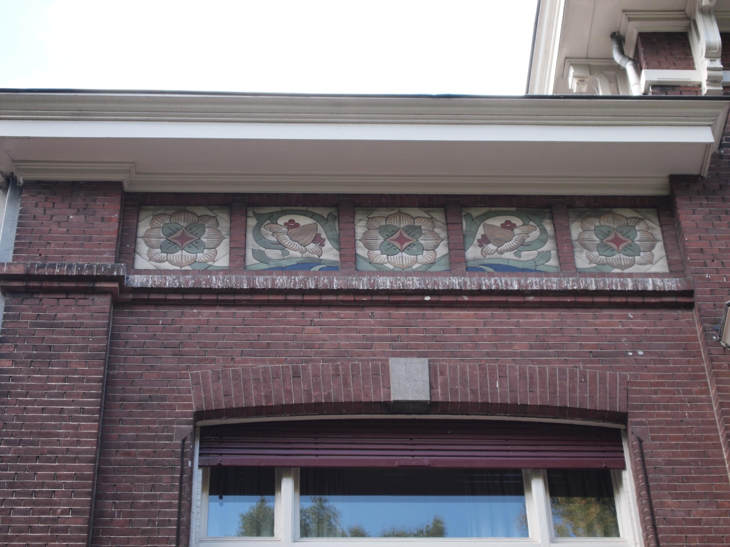 foto van woonhuis gebouwd in overgangsarchitectuur met jugendstil interieur onderdelen