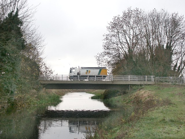 Description road bridge over the river bain coningsby geograph org