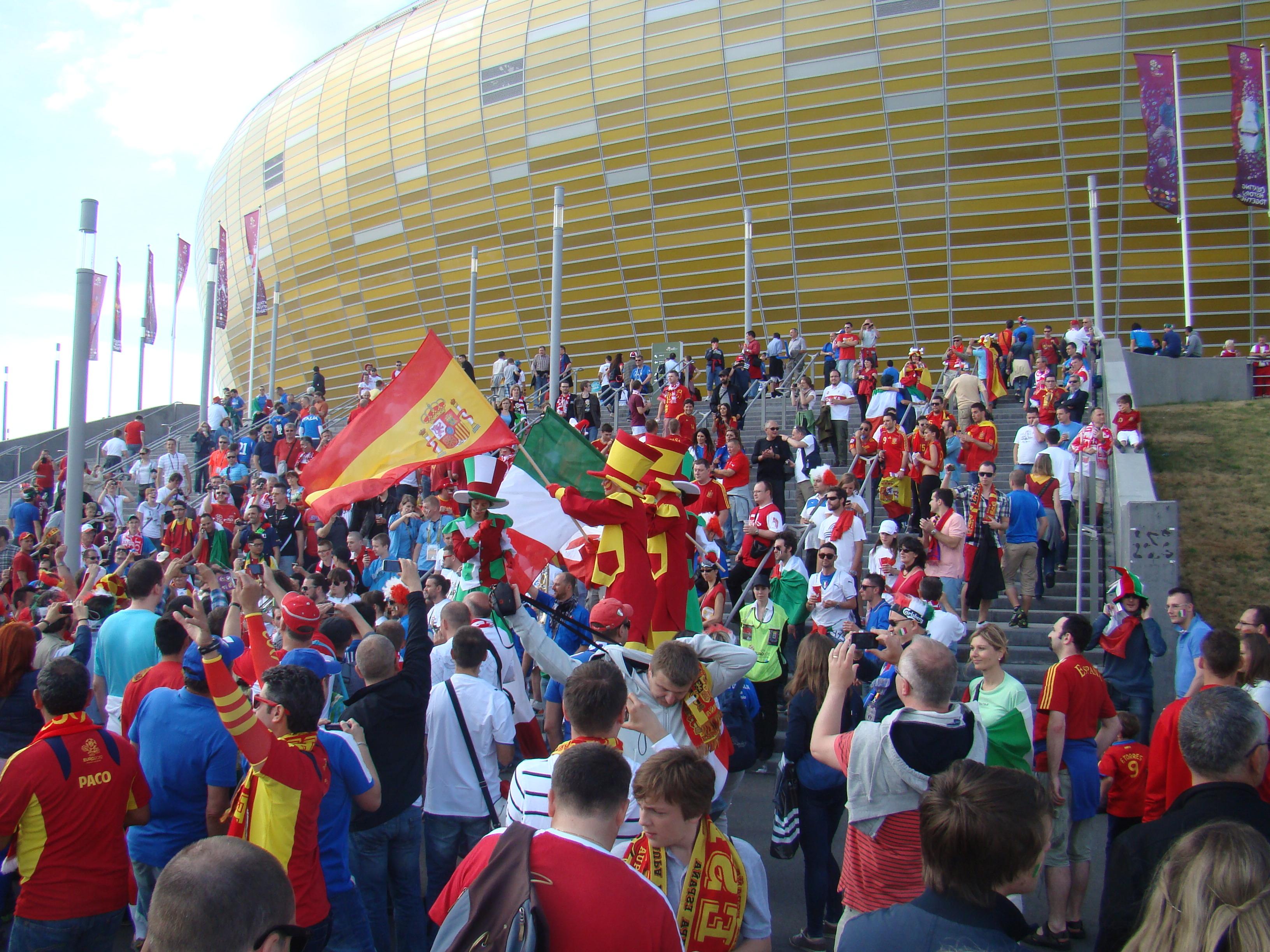 File:SPA-ITA Euro 2012 supporters outside the stadium.JPG - Wikimedia  Commons
