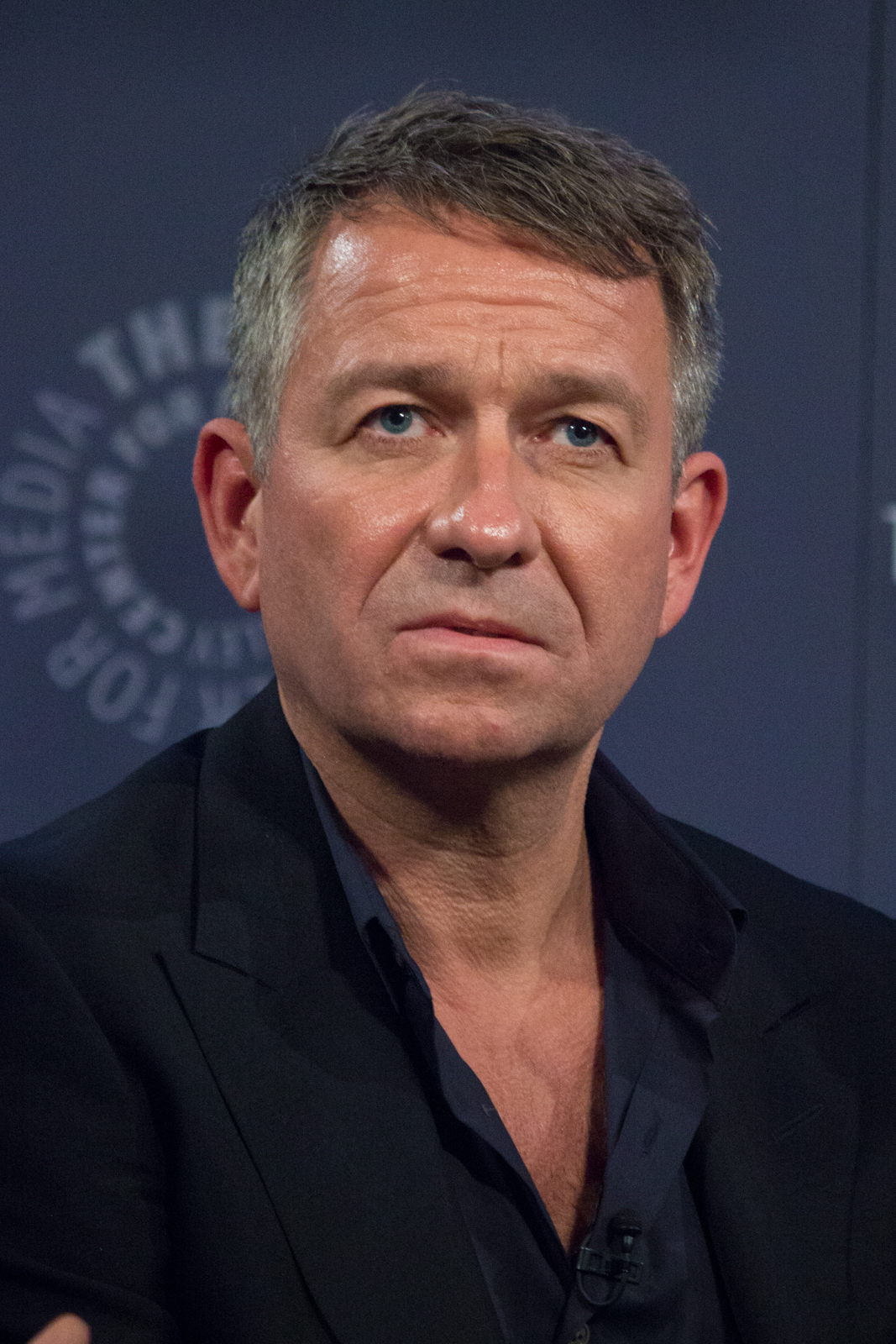 sean pertwee height