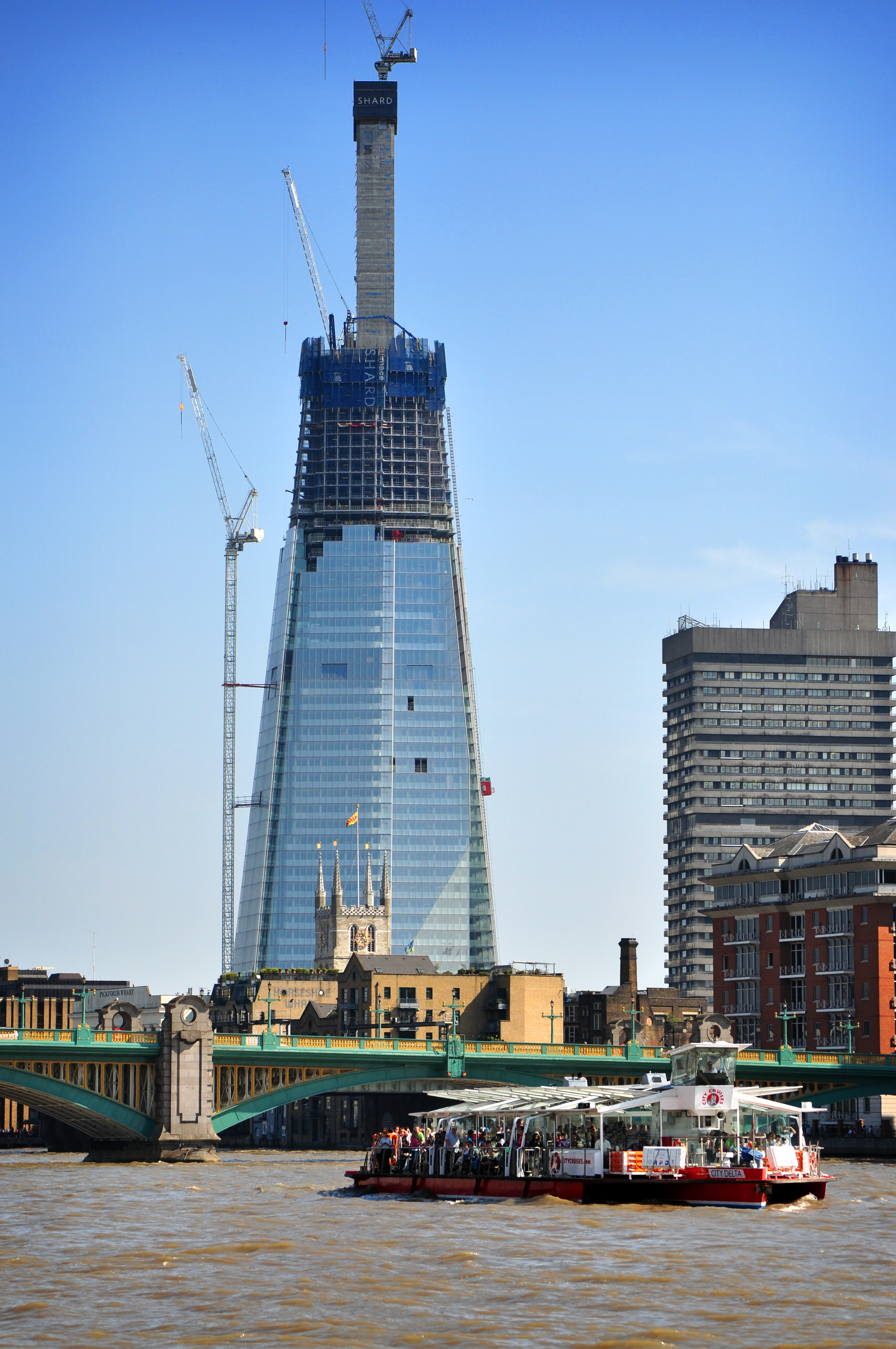 Rise Credit >> File:Shard London Bridge, April 19 2011.jpg - Wikimedia Commons