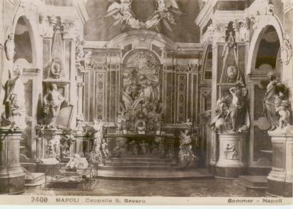 https://upload.wikimedia.org/wikipedia/commons/e/e8/Sommer%2C_Giorgio_%281834-1914%29_-_n._2400_-_NAPOLI_-_Capella_S._Severo.jpg