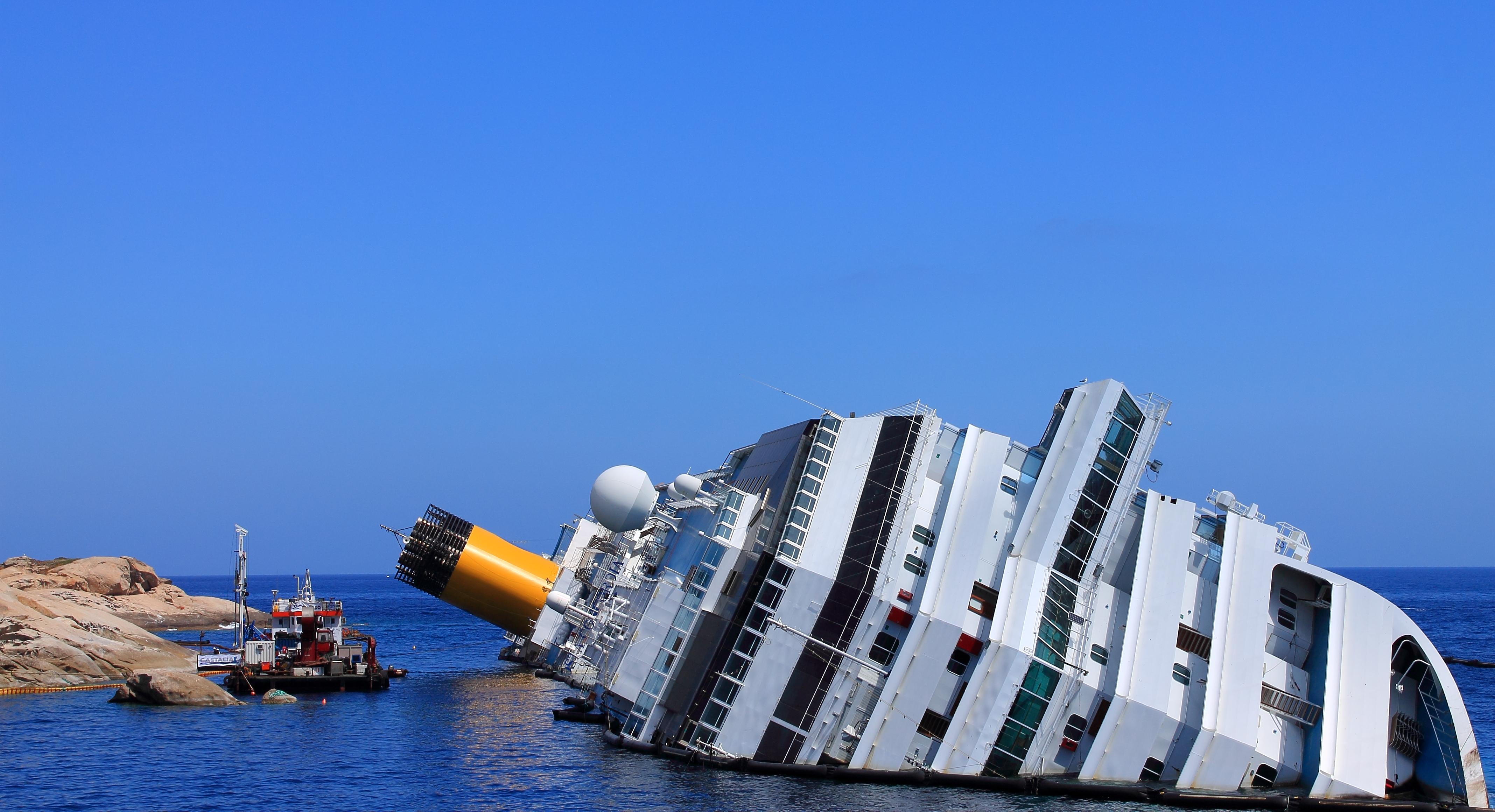 FileSunken Cruise ShipJPG Wikimedia Commons - Sunken cruise ships