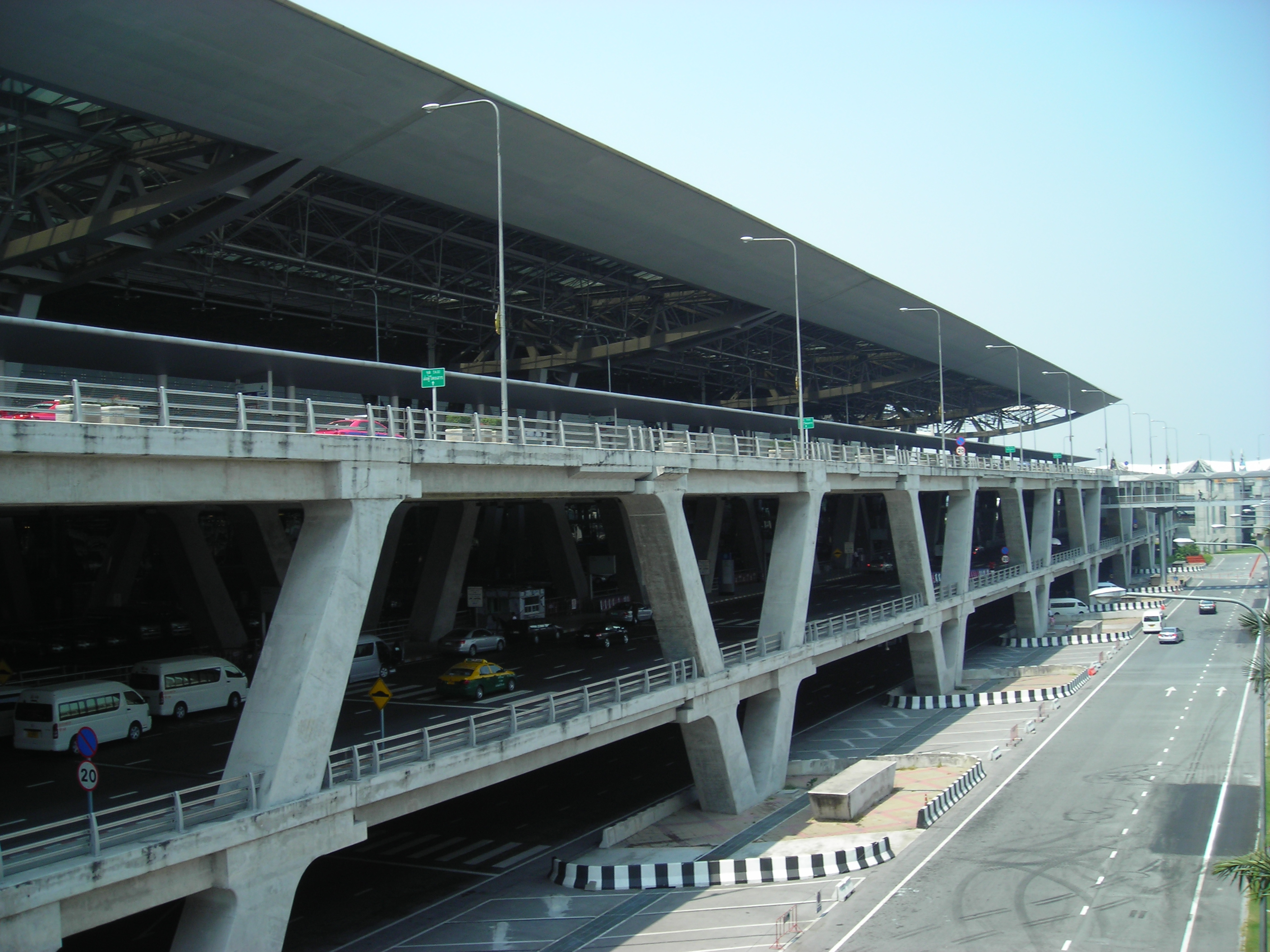 File:Suvarnabhumi Airport - main building seen from the PAX multi ...