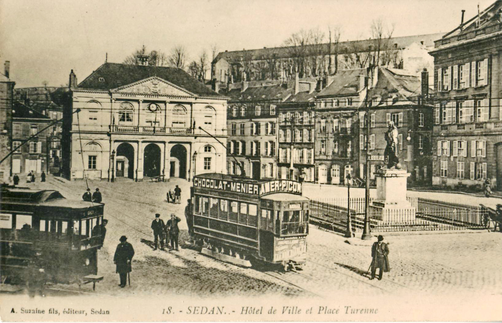 File:Suzaine 18 - SEDAN - Hotel de Ville et Place Turenne (gros plan ...