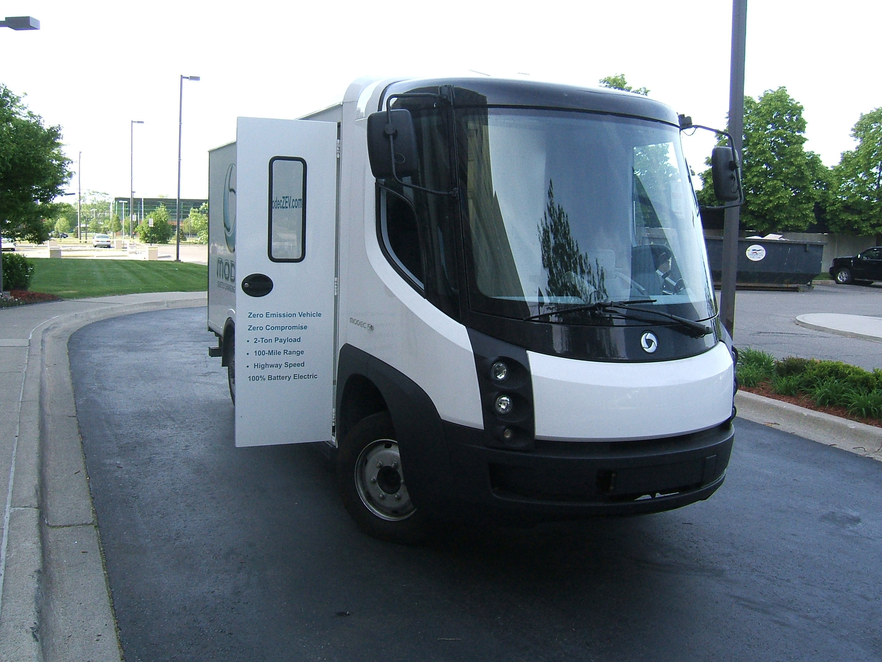 Minivan For Sale >> File:The Modec electric van.jpg - Wikimedia Commons