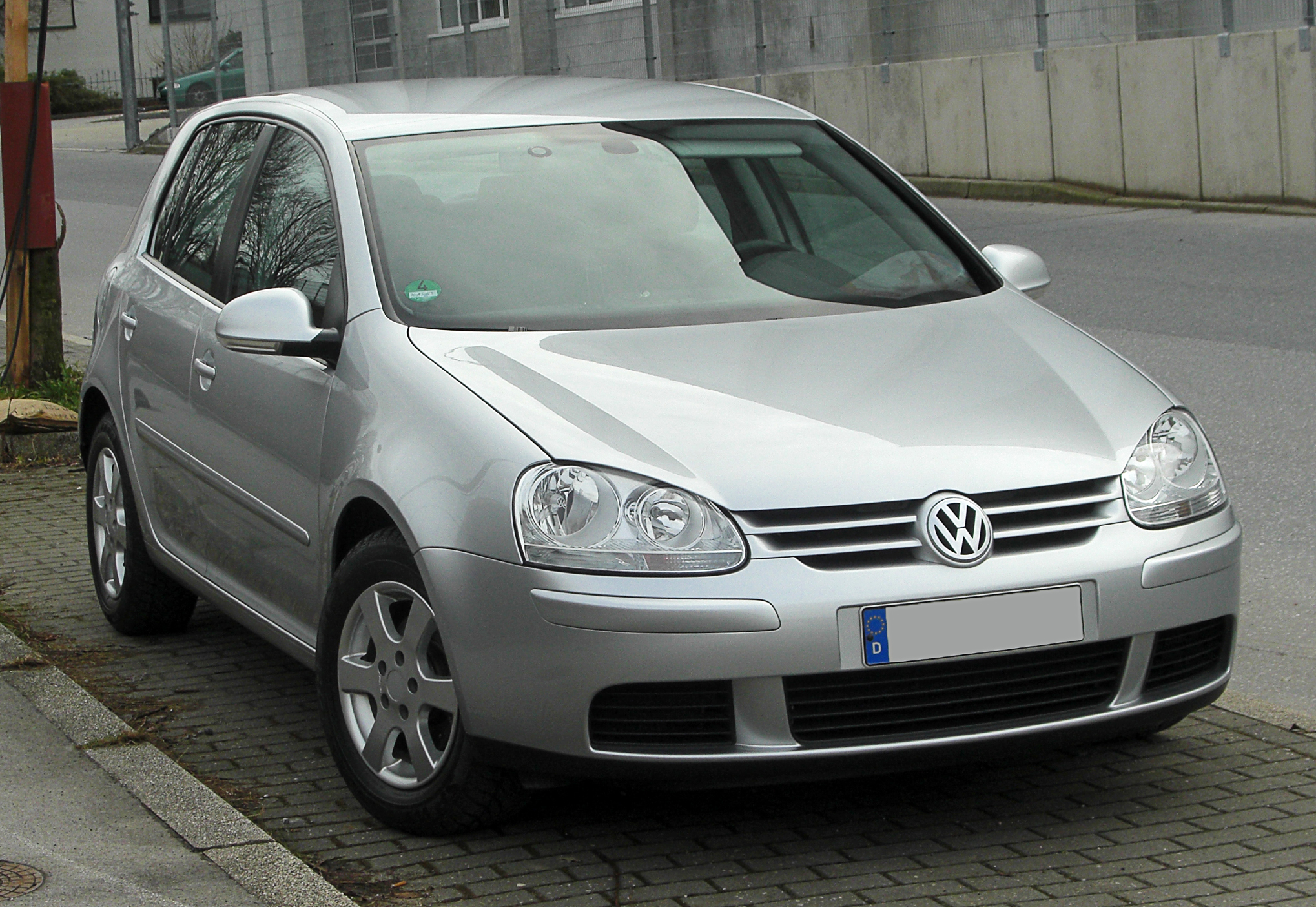 file vw golf tdi v frontansicht 13 februar 2011 w wikimedia commons. Black Bedroom Furniture Sets. Home Design Ideas