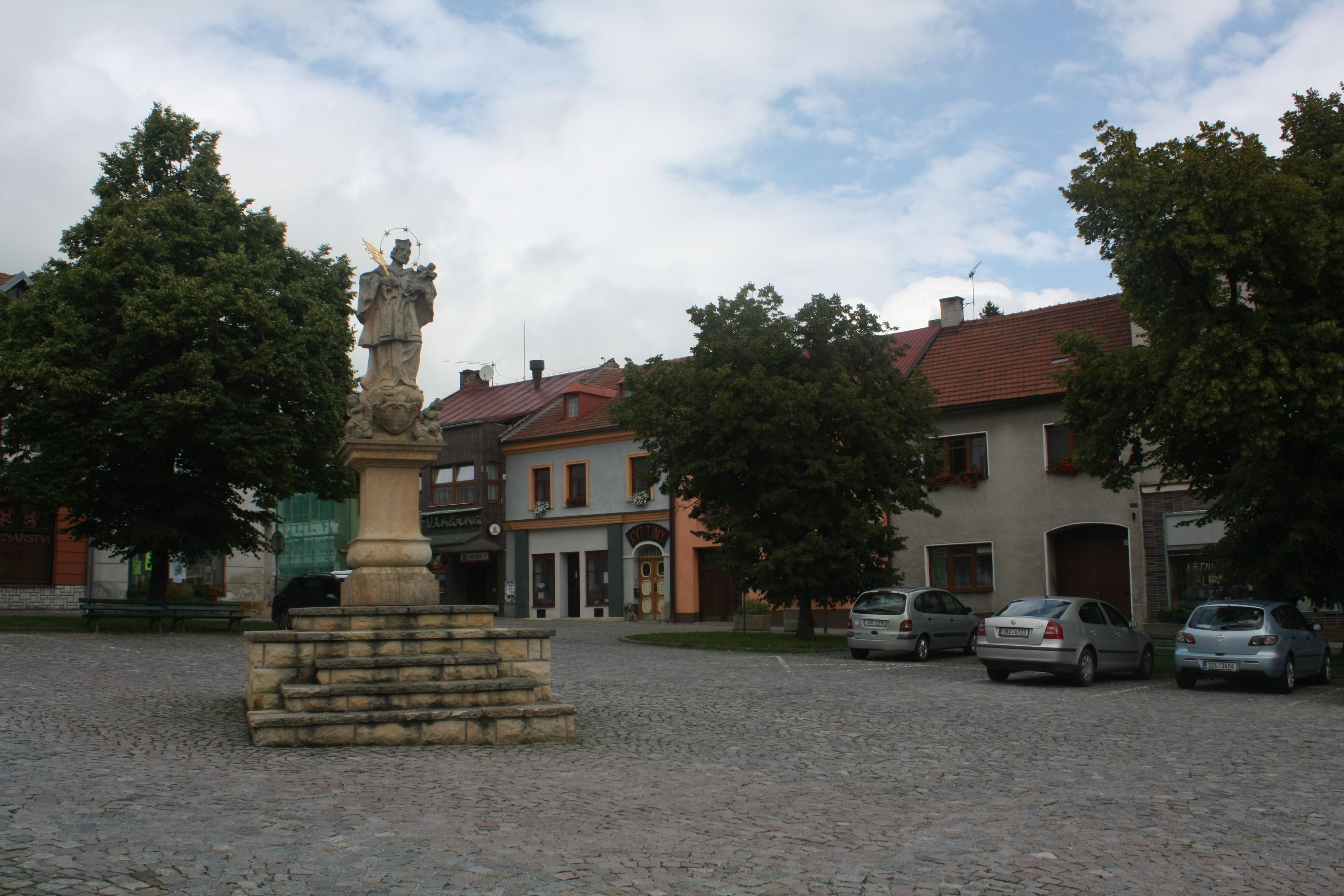 File Valašské Klobouky (5).jpg - Wikimedia Commons 563f349b63