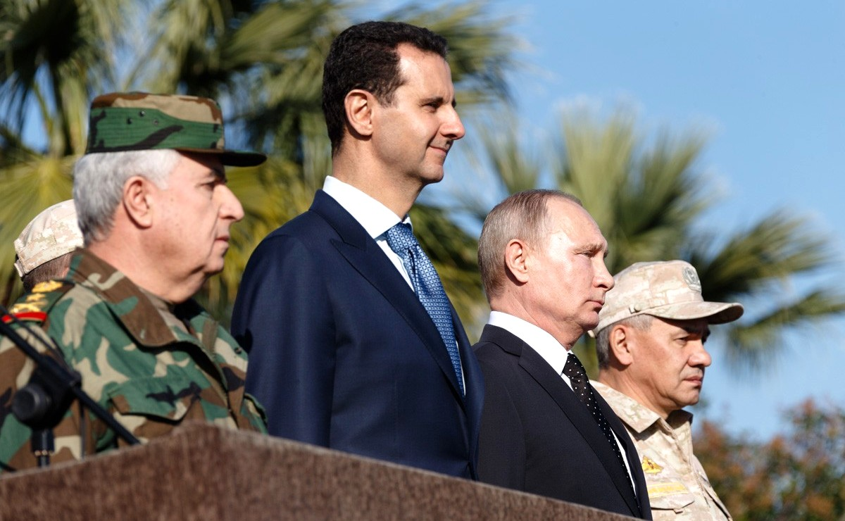 Vladimir Putin in Khmeimim Air Base in Syria (2017-12-11) 08.jpg