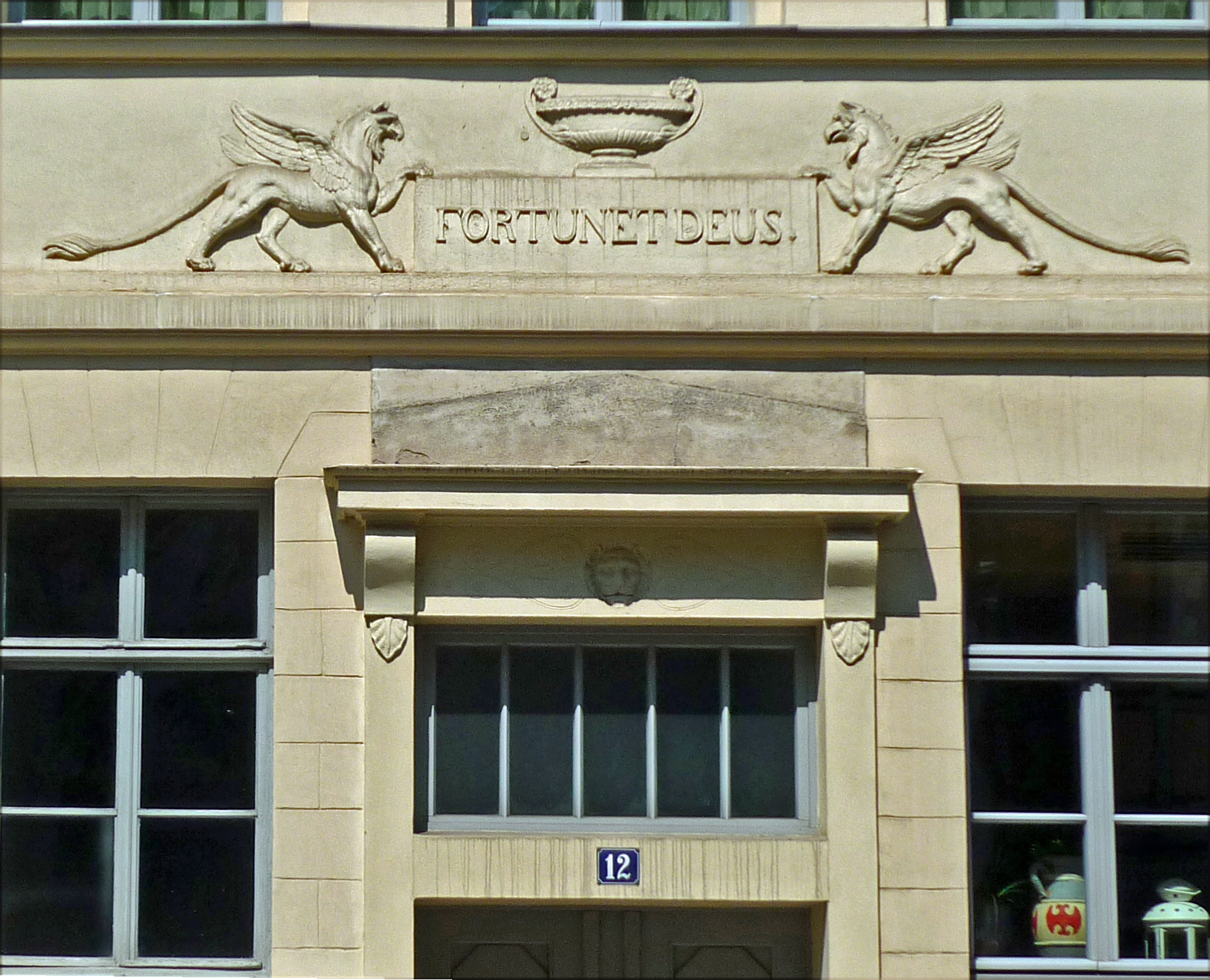 purchase cheap new release nice cheap File:WE-Heinrich-Heine-Str12-Portal.jpg - Wikimedia Commons