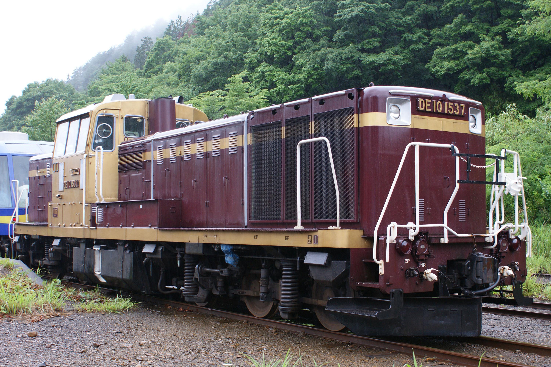 File:Watarase Railway DE10-1537.jpg