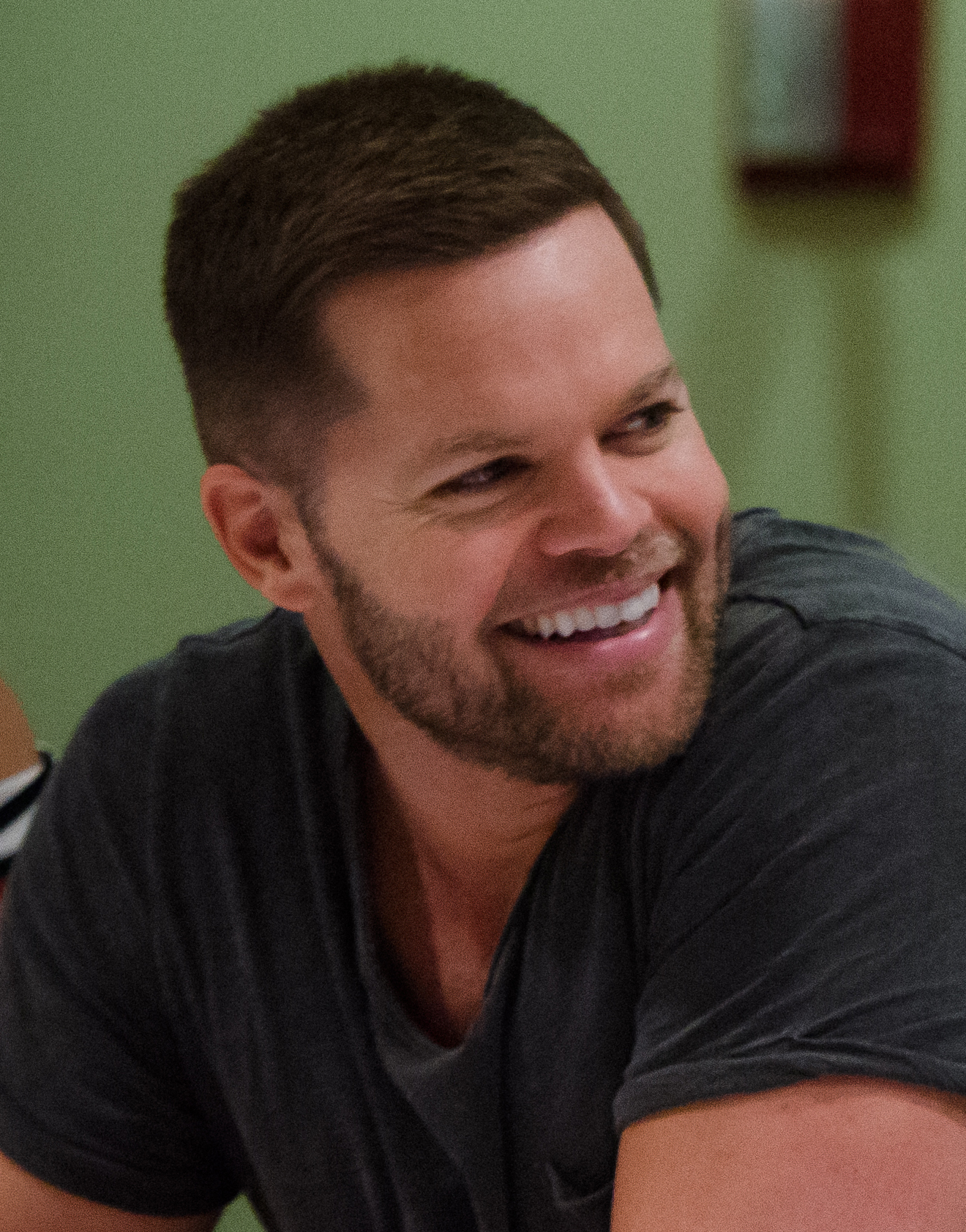 The 40-year old son of father (?) and mother(?) Wes Chatham in 2019 photo. Wes Chatham earned a  million dollar salary - leaving the net worth at 1 million in 2019