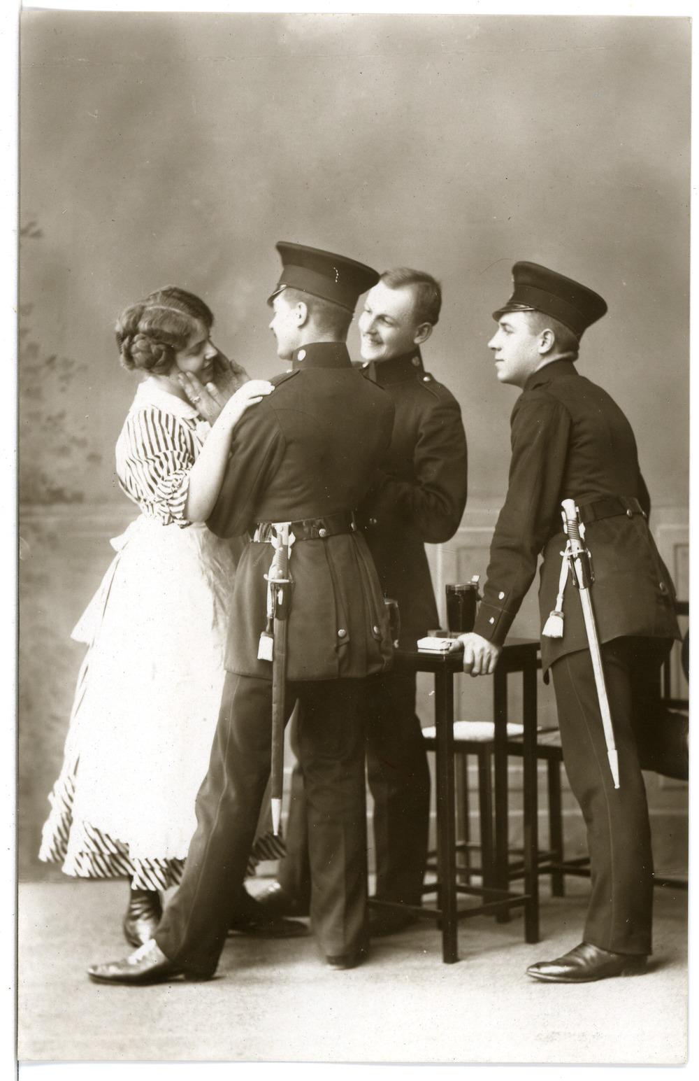 16031-Meißen-1913-Schützen Im Wirtshaus-Brück & Sohn Kunstverlag.jpg