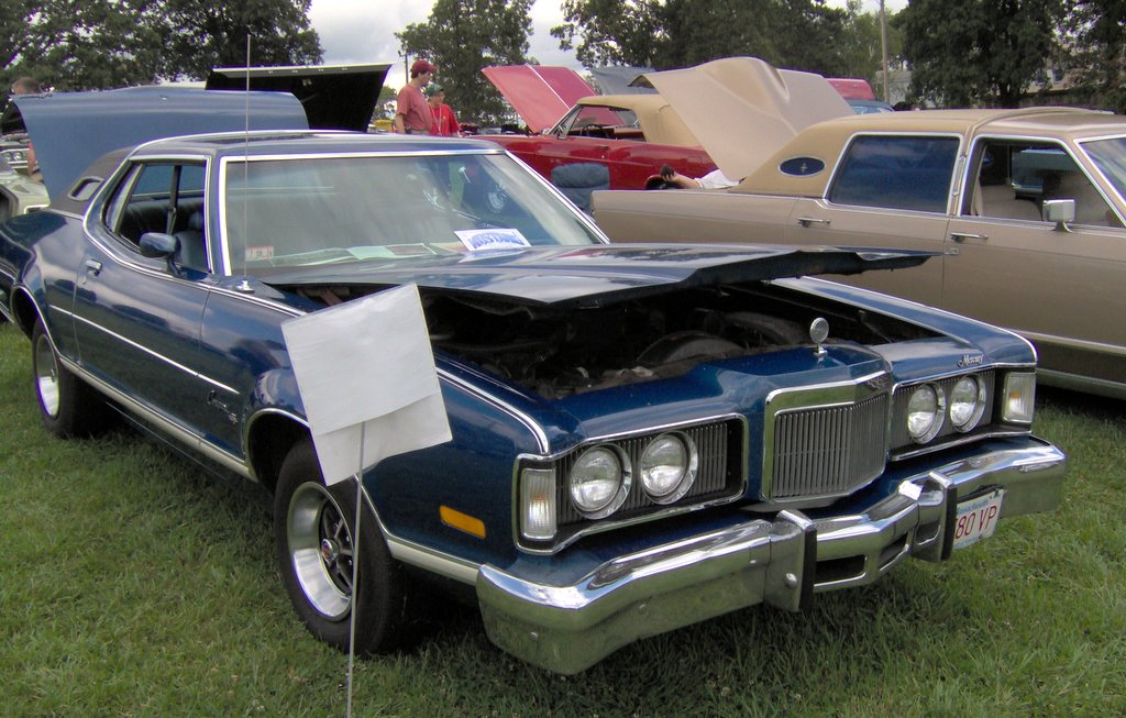 File:1976 Mercury Cougar.JPG - Wikimedia Commons