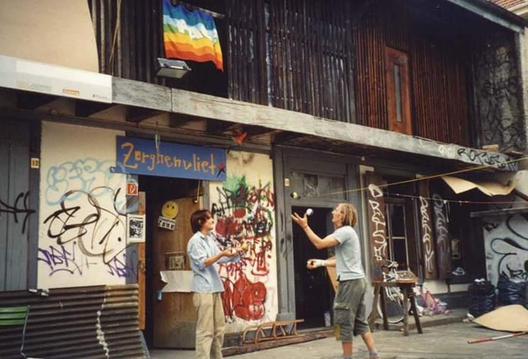 File:2003 Squat in Basel.jpg