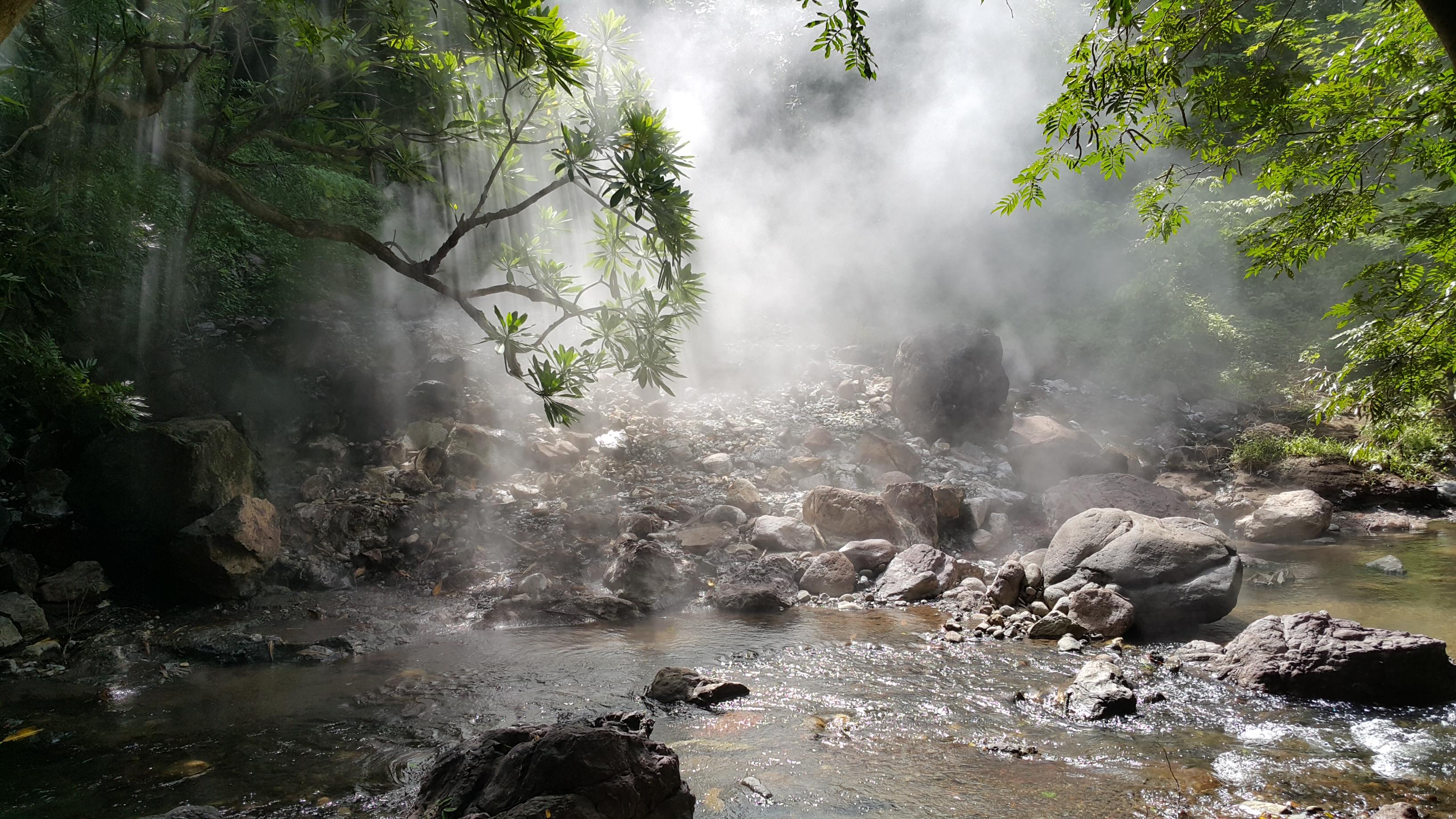 Archivo aguas wikipedia la enciclopedia libre for Aguas termales naturales en madrid