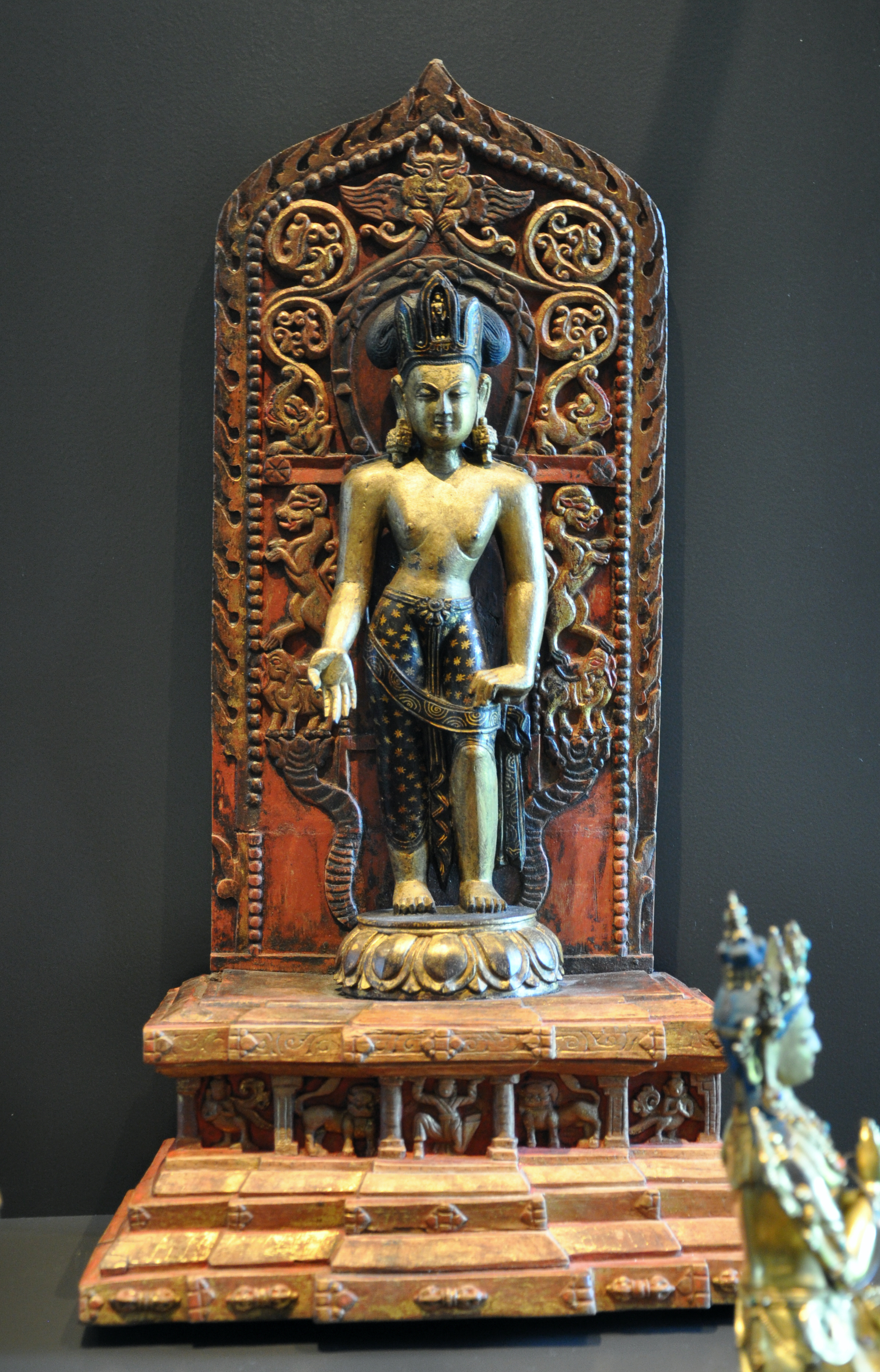 A statue of Arya-Avalokiteshvara at a museum in Zurich. Photo credit: Andreas Praefcke/Wikimedia Commons [Public Domain].