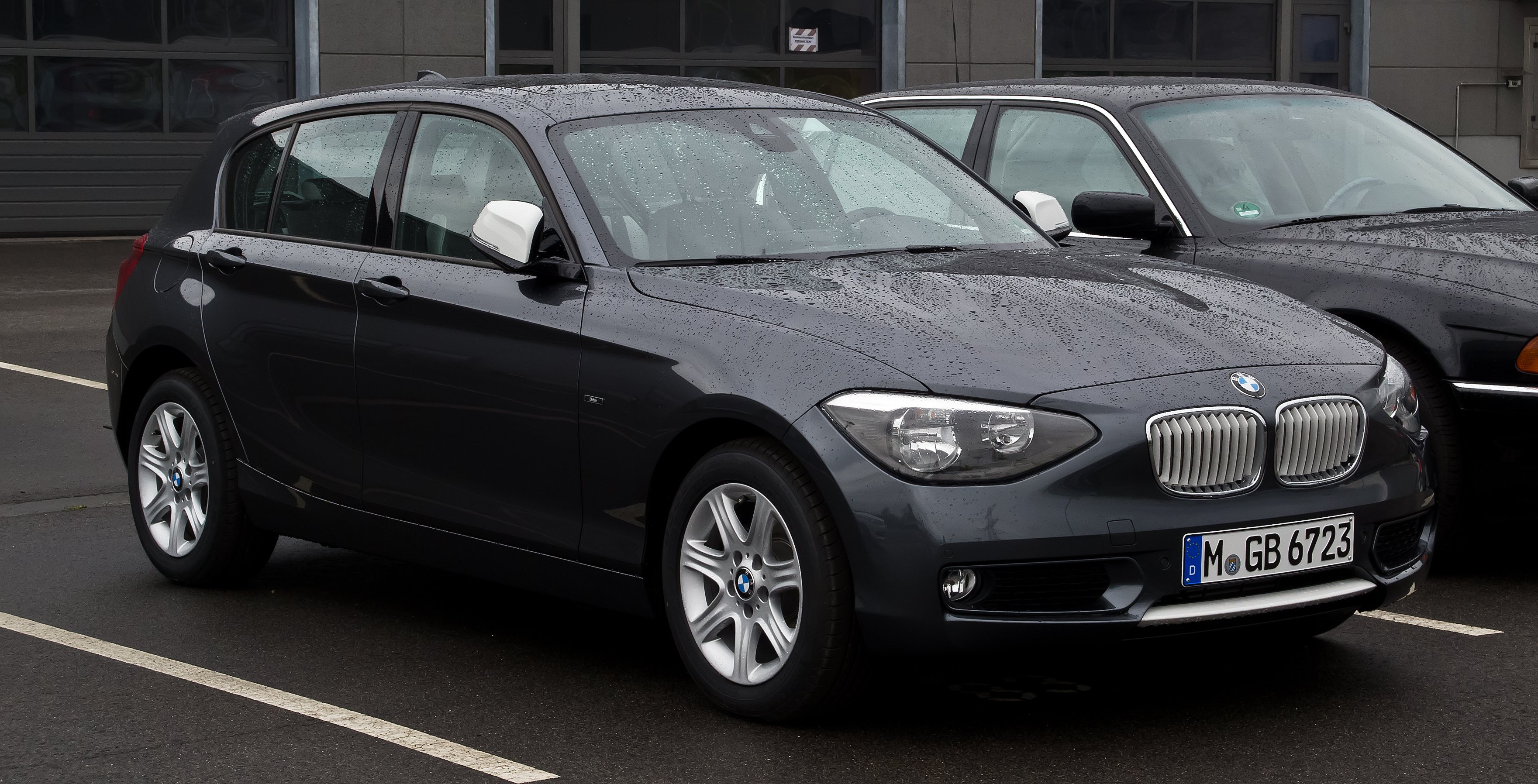 file bmw 116i urban line f20 frontansicht 5 mai 2012 d wikimedia commons. Black Bedroom Furniture Sets. Home Design Ideas