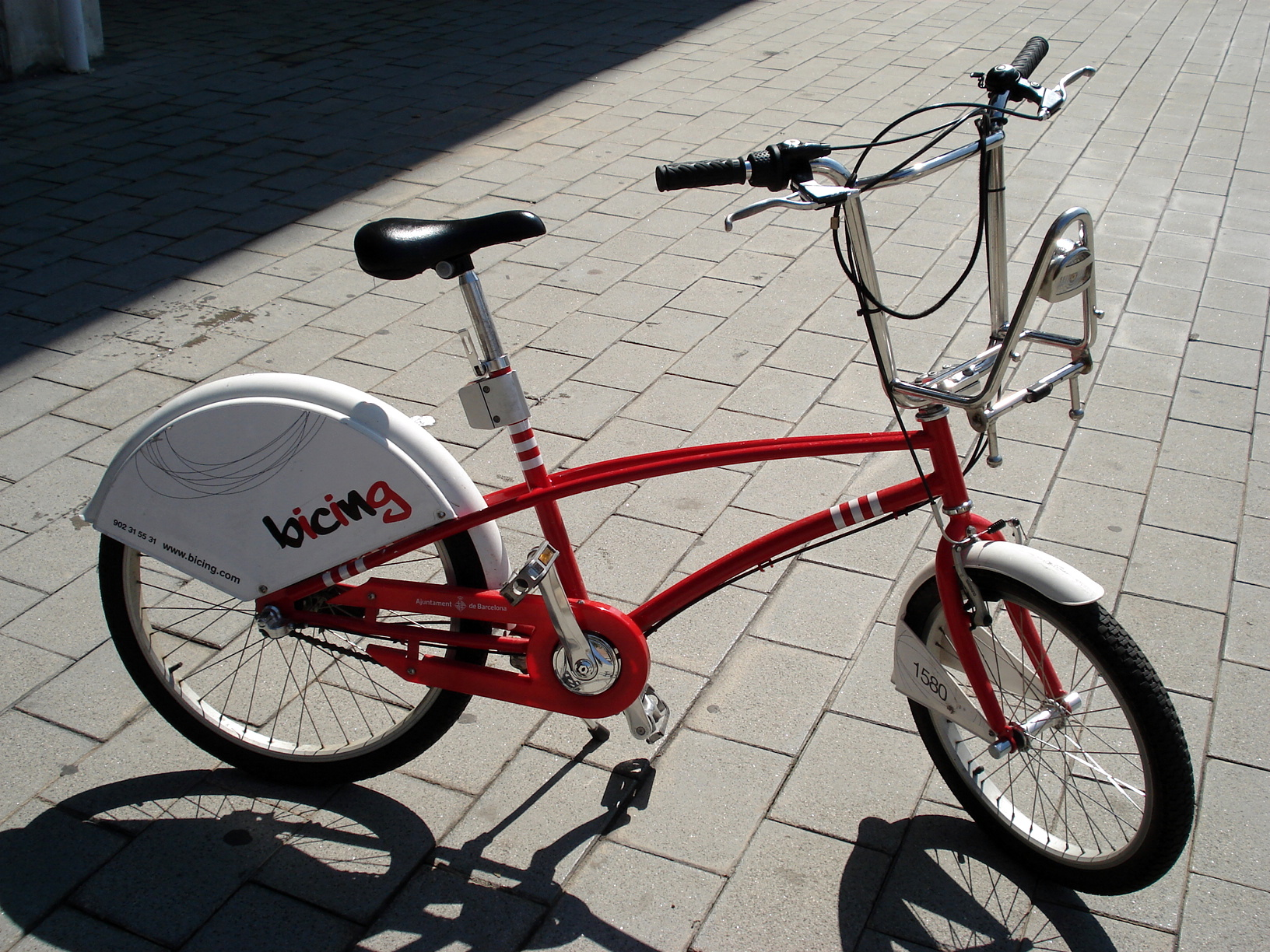 Red and white for Bicing in Barcelona