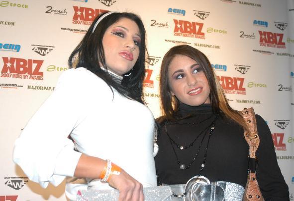 Britney Stevens, Whitney Stevens at the 2007 XBiz Awards 2
