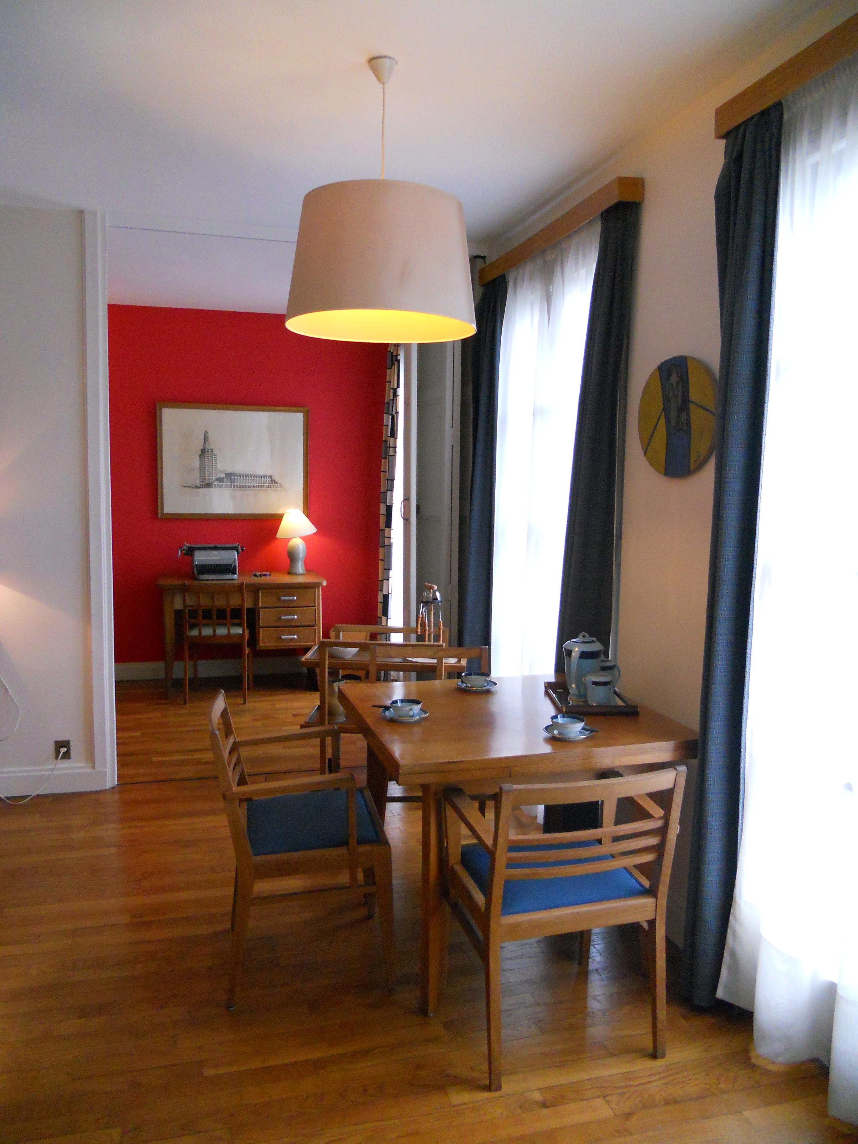 file bureau et salle de s jour de l 39 appartement t moin. Black Bedroom Furniture Sets. Home Design Ideas