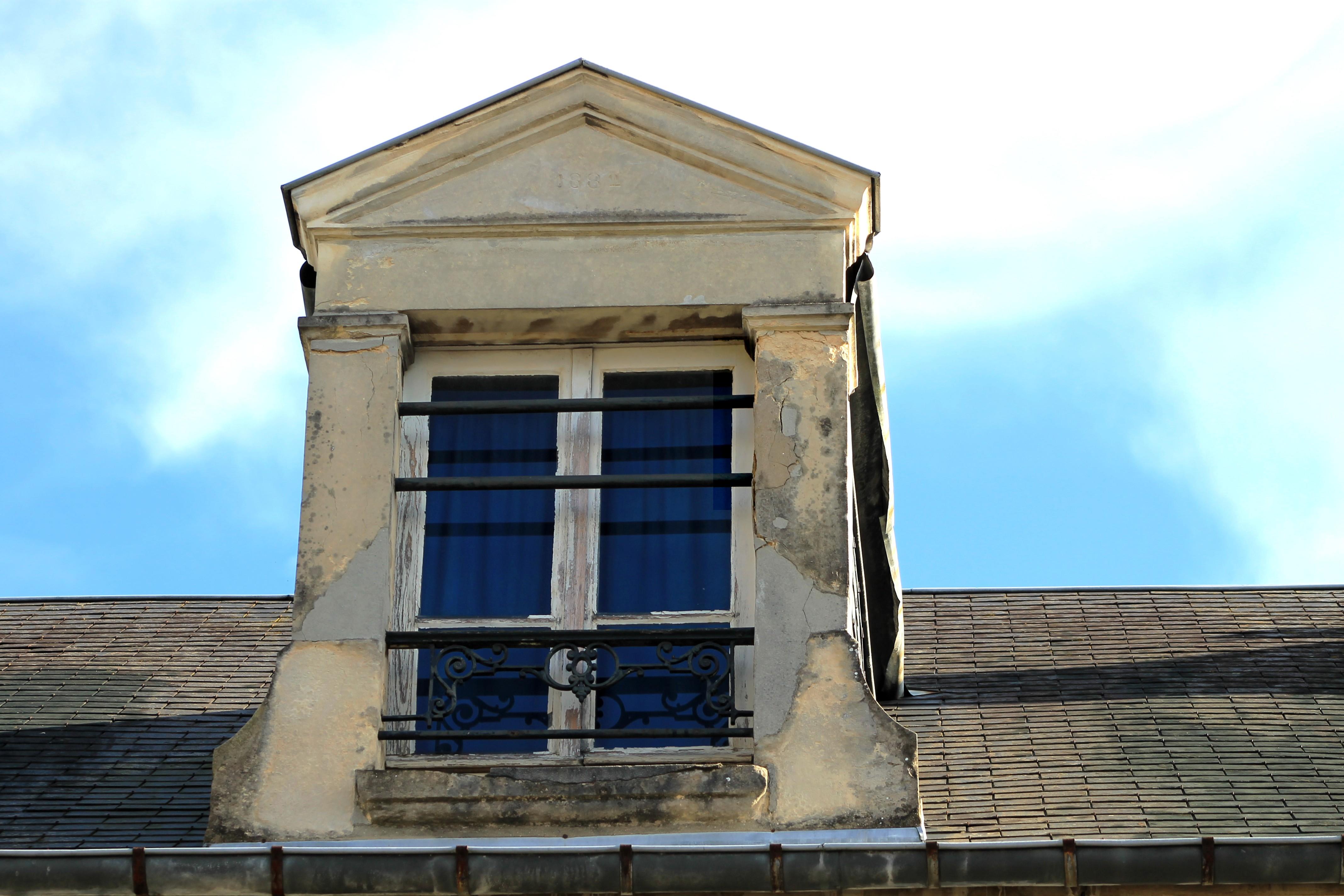 file caen 5 rue de branville lucarne dat e 1882 jpg. Black Bedroom Furniture Sets. Home Design Ideas
