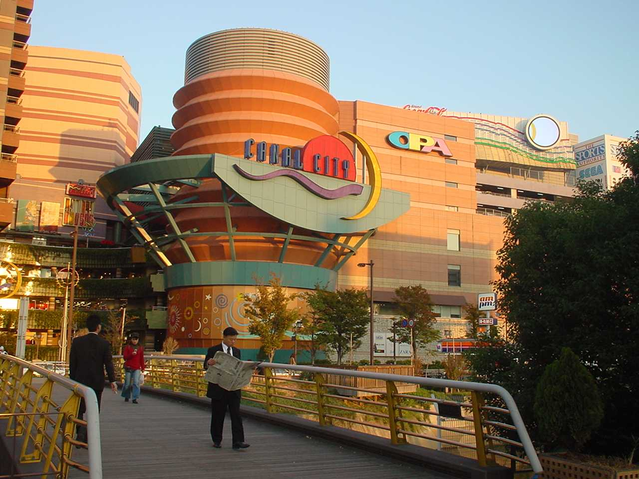 5 Of The Best Shopping And Dining Areas In Fukuoka