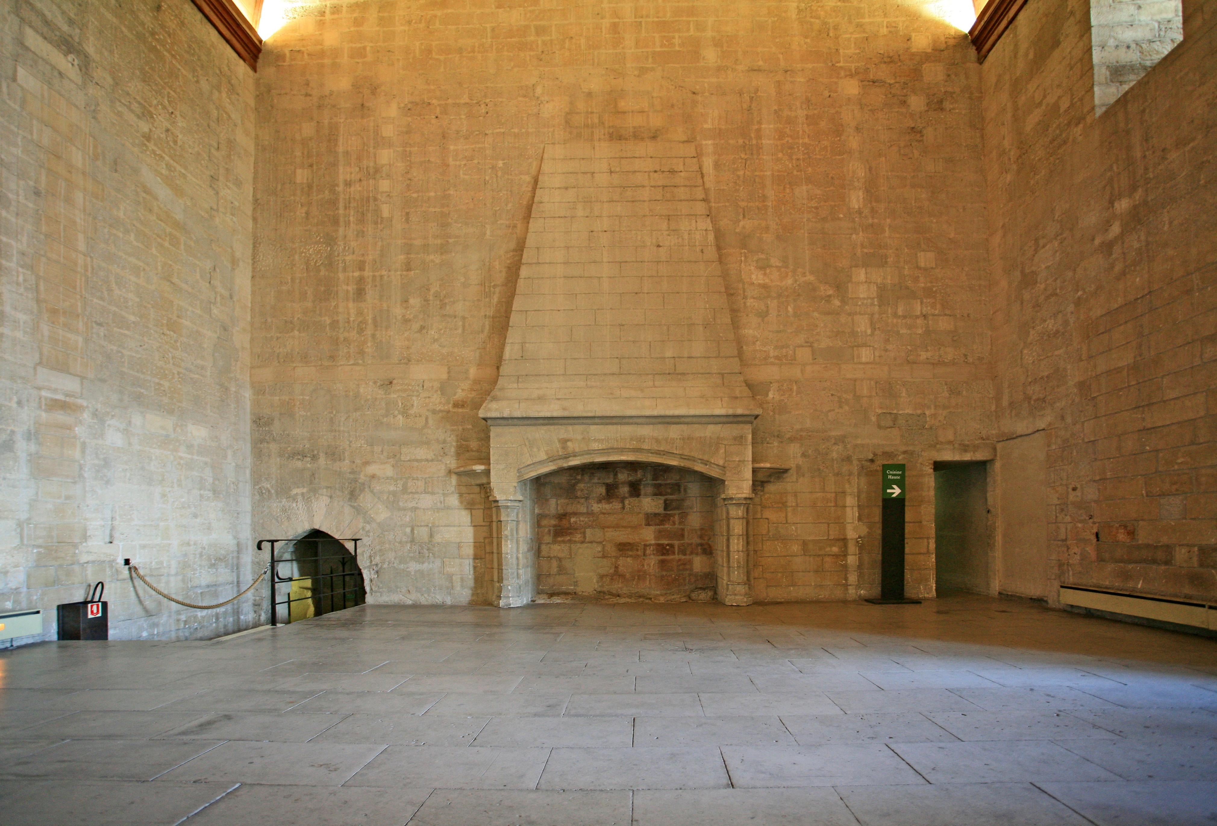 File chemin e du grand wikimedia commons - Contour de cheminee decoratif ...