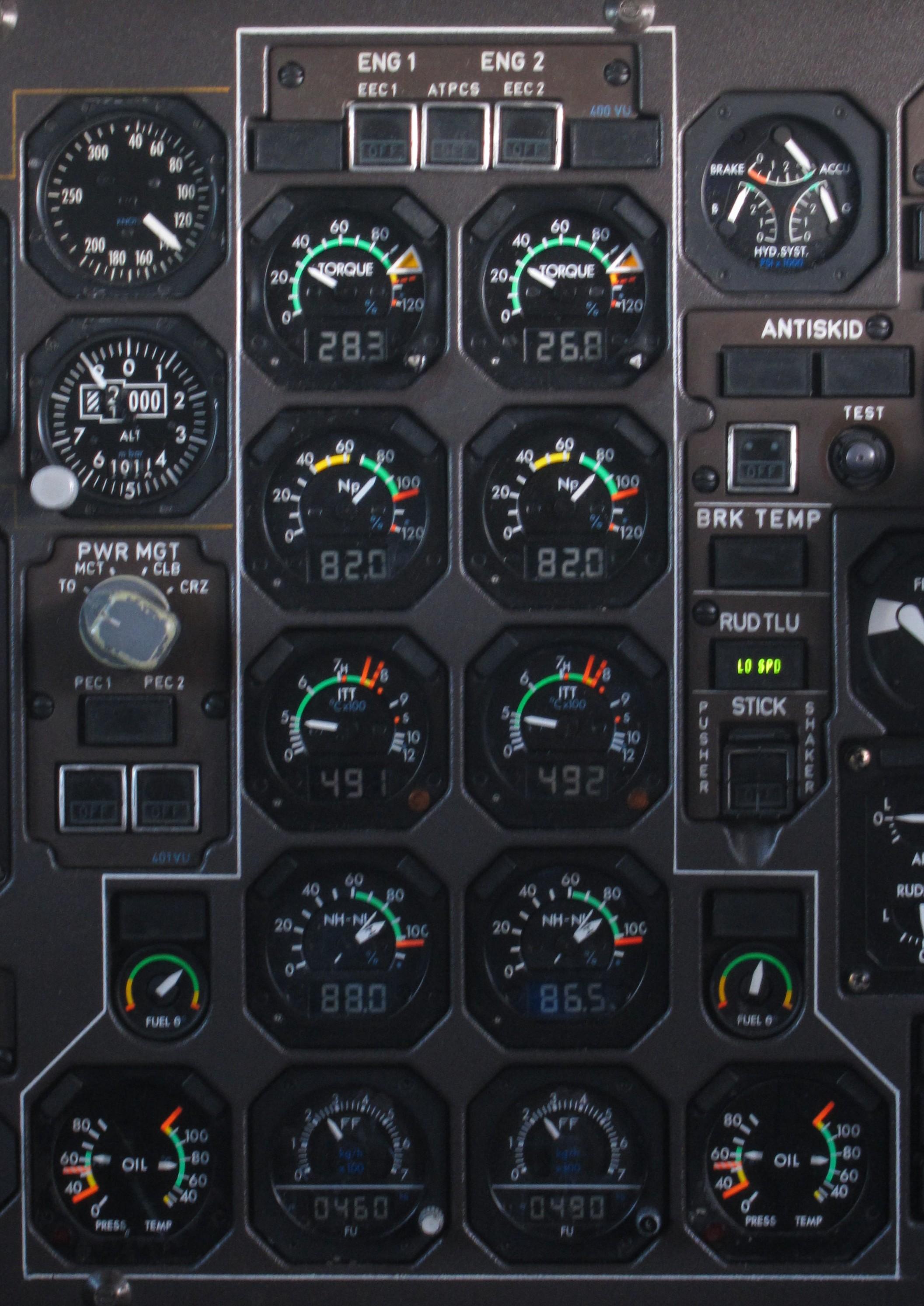 Cockpit Instrument Panel : File engine instrument panel of an atr cockpit g