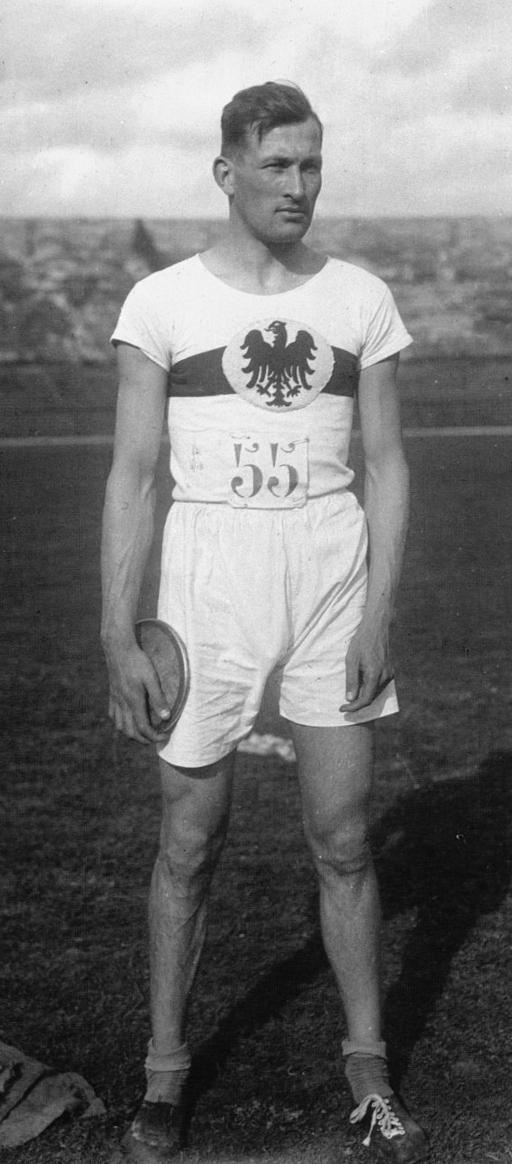 Hoffmeister in 1927